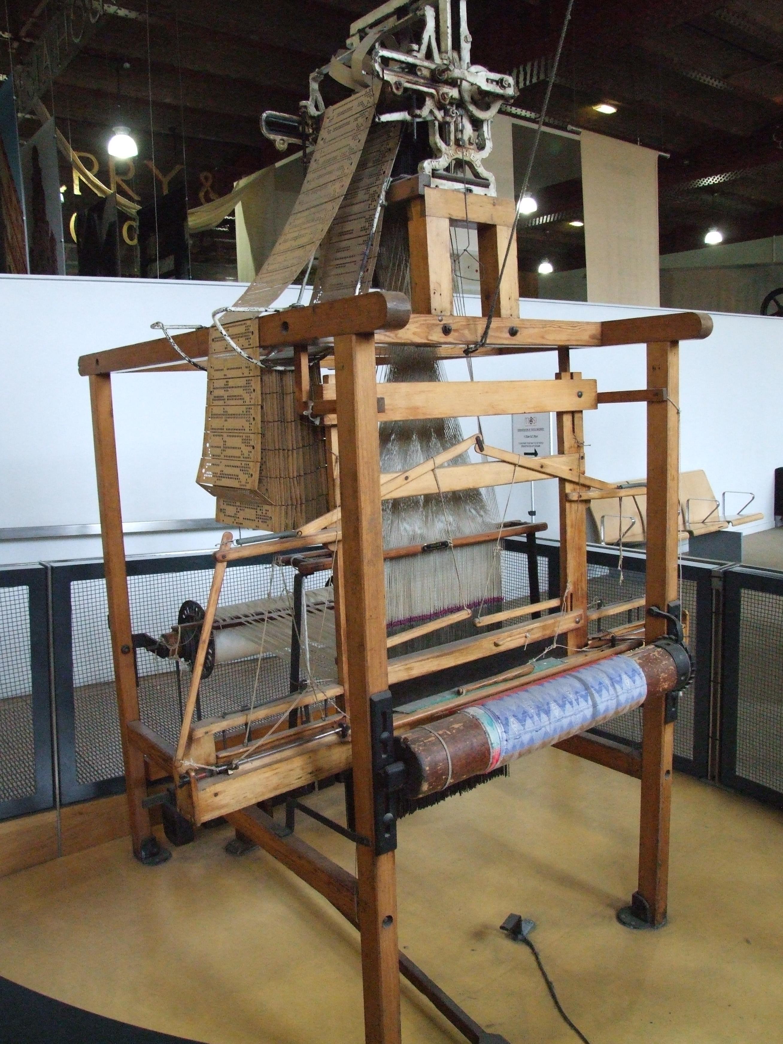 File:Wooden Jacquard loom MOSI-11 5544.JPG - Wikimedia Commons