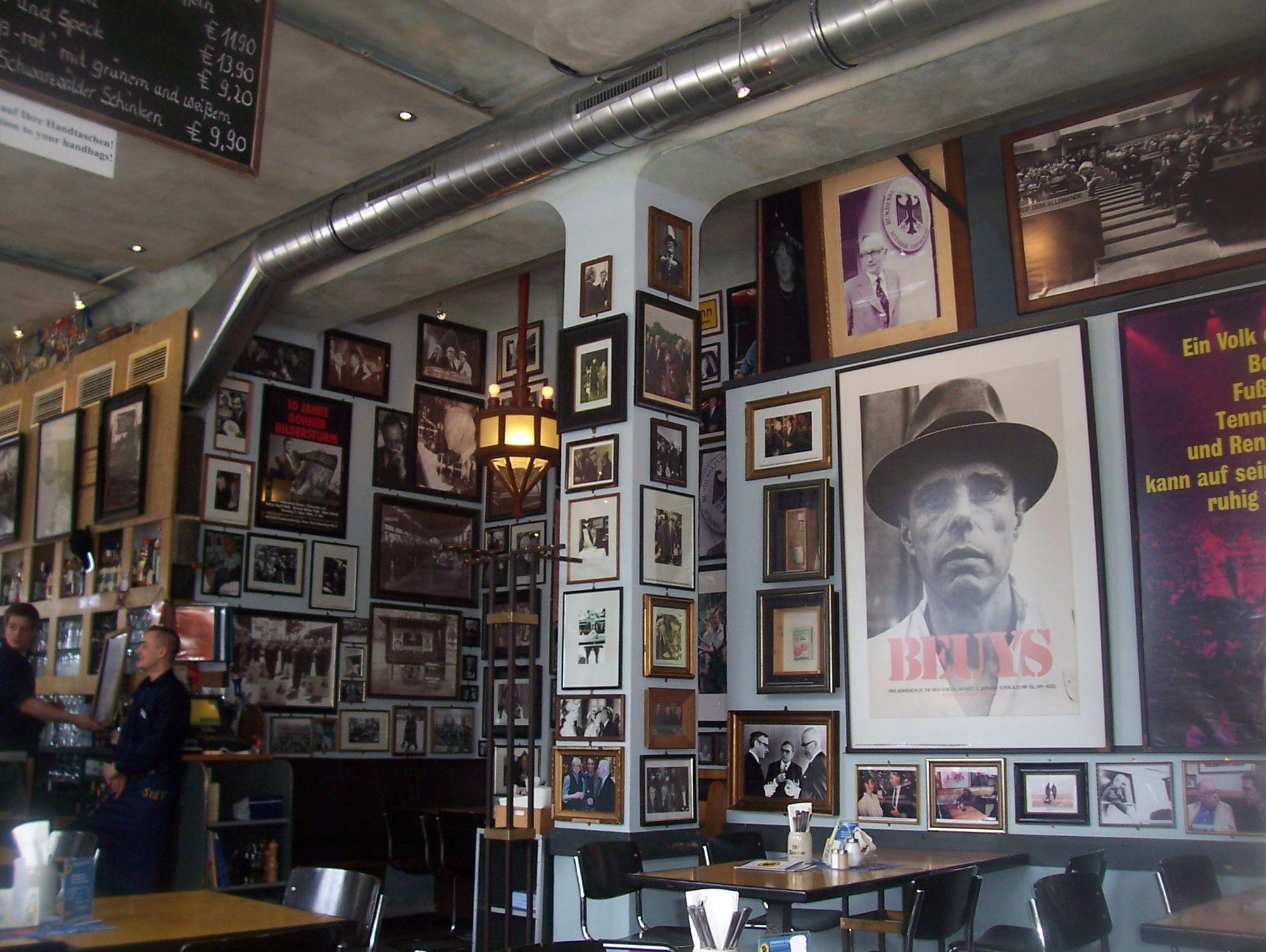 Berlin Cafe In Alter Apotheke