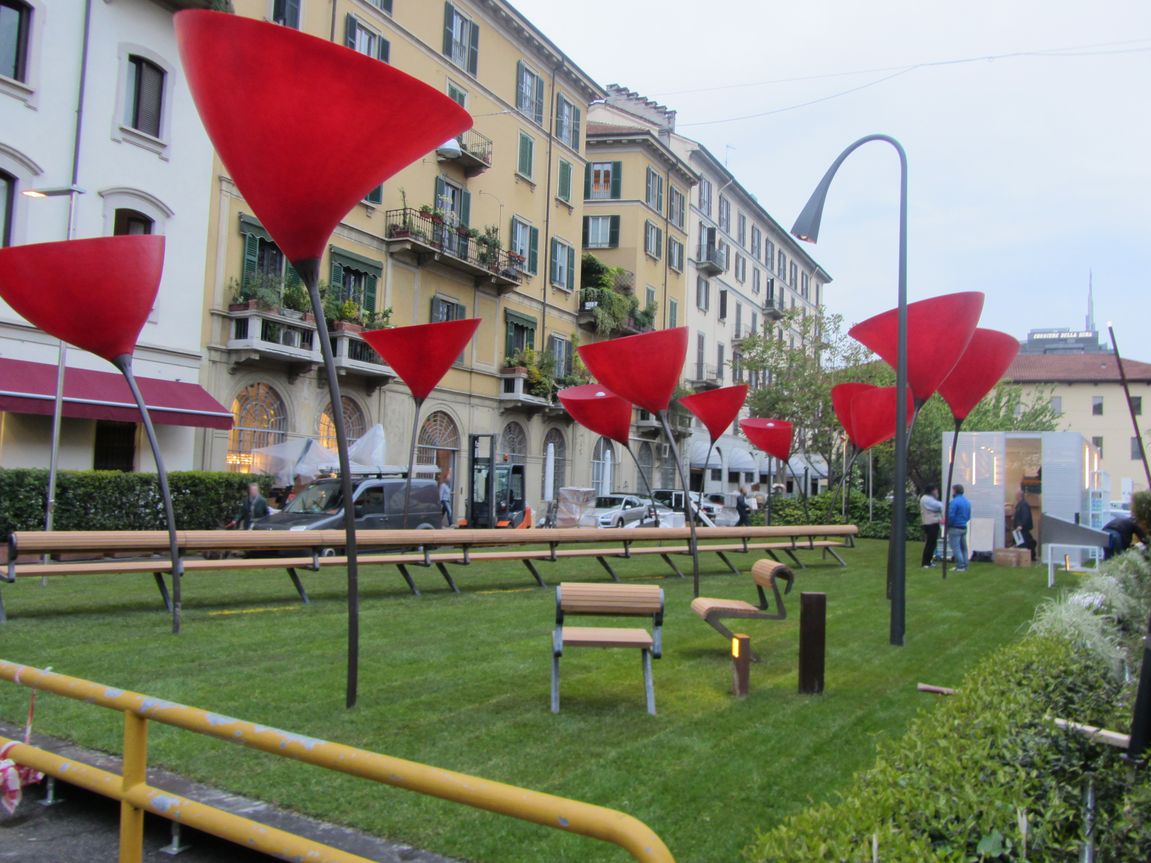 File 12 milan design week fuorisalone brera district for Fuorisalone milano