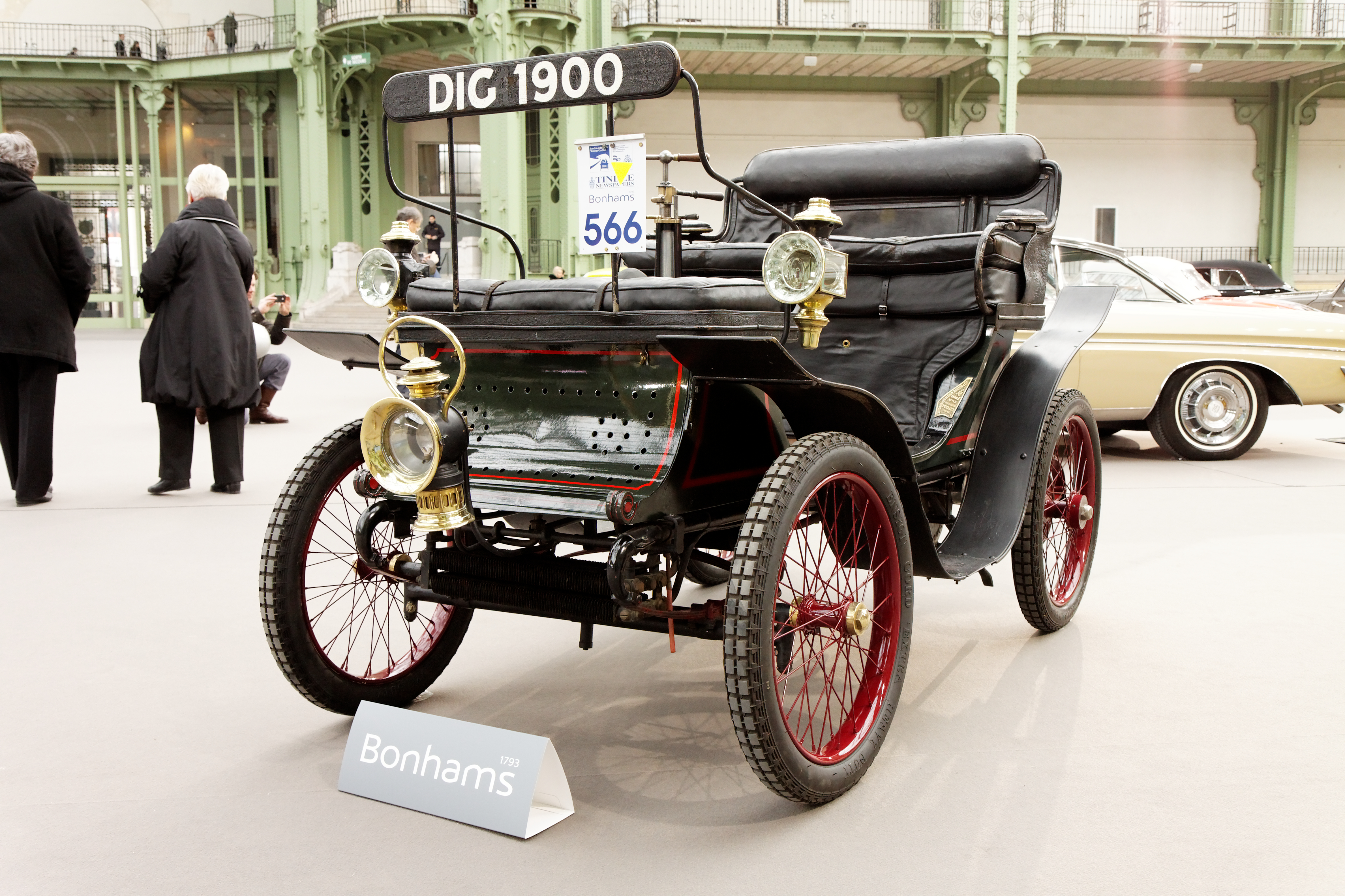 file 110 ans de l 39 automobile au grand palais de dion bouton type e 3 hp vis vis 1900. Black Bedroom Furniture Sets. Home Design Ideas