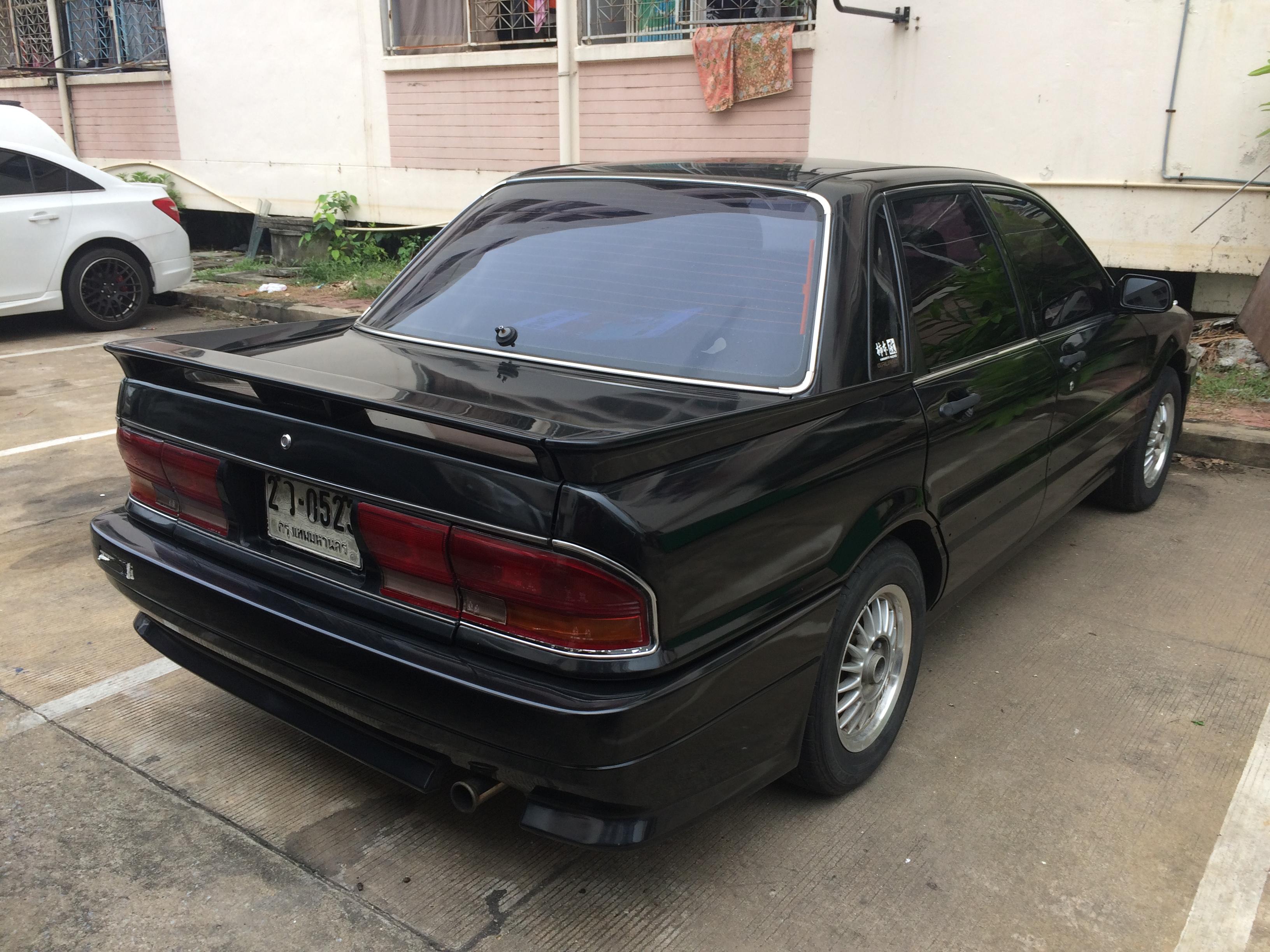 file:1989 mitsubishi galant (e-e33a) amg sedan (13-10-2017) 05