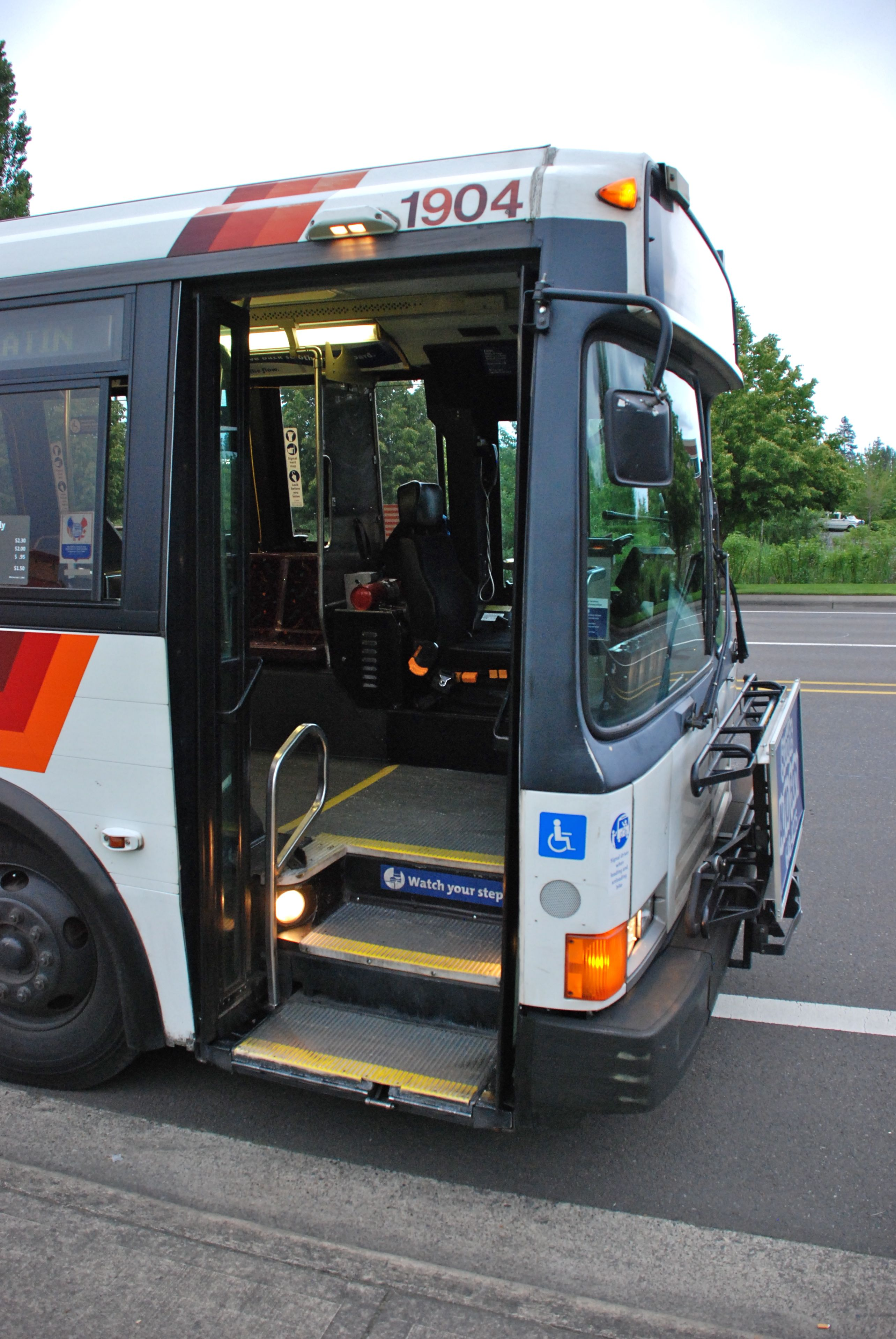 Steps For Buses : Flxible wikipedia autos post