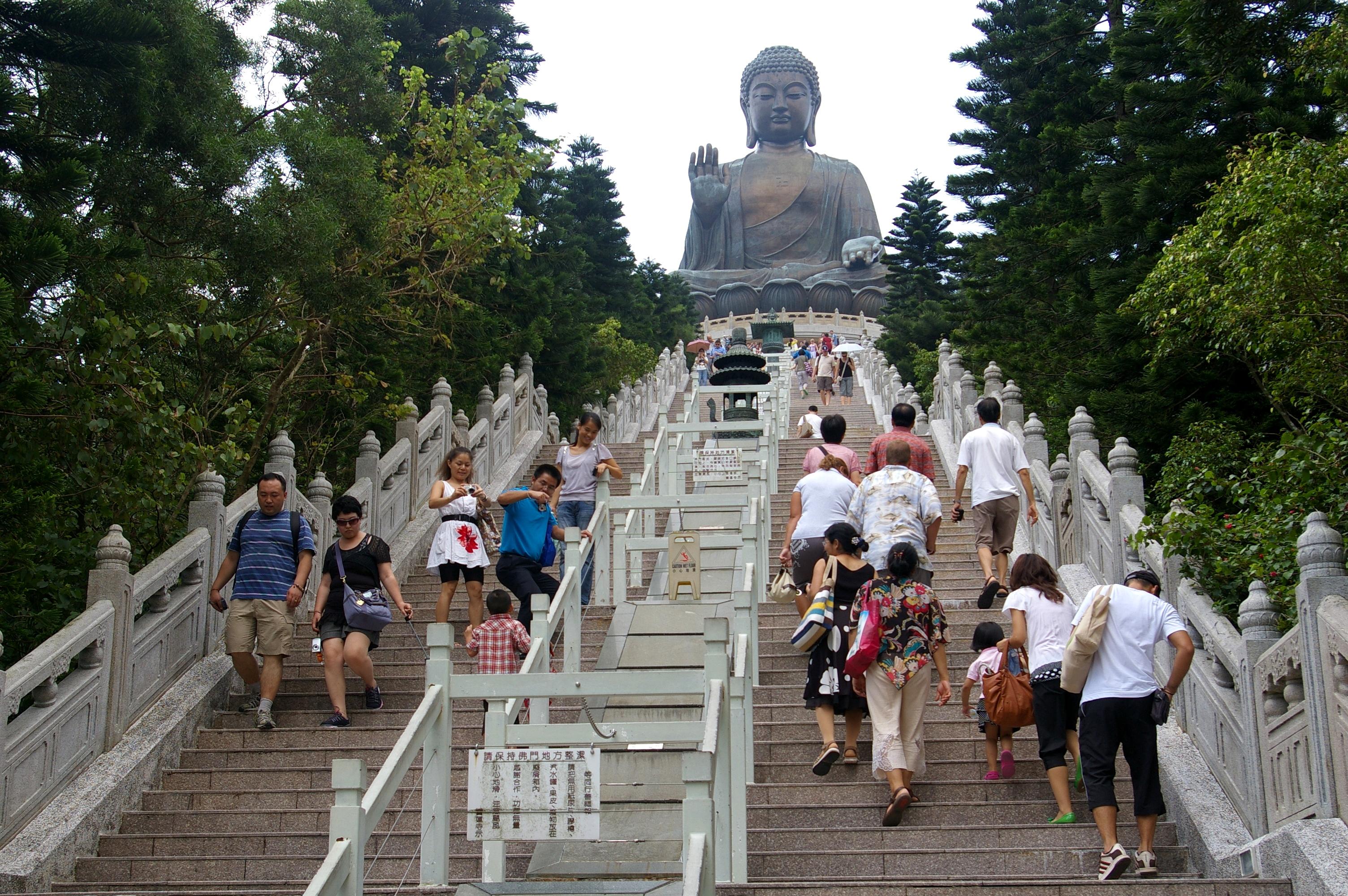 File:20091002 Hong Kong Tian Tan Buddha 6329.jpg - Wikimedia Commons