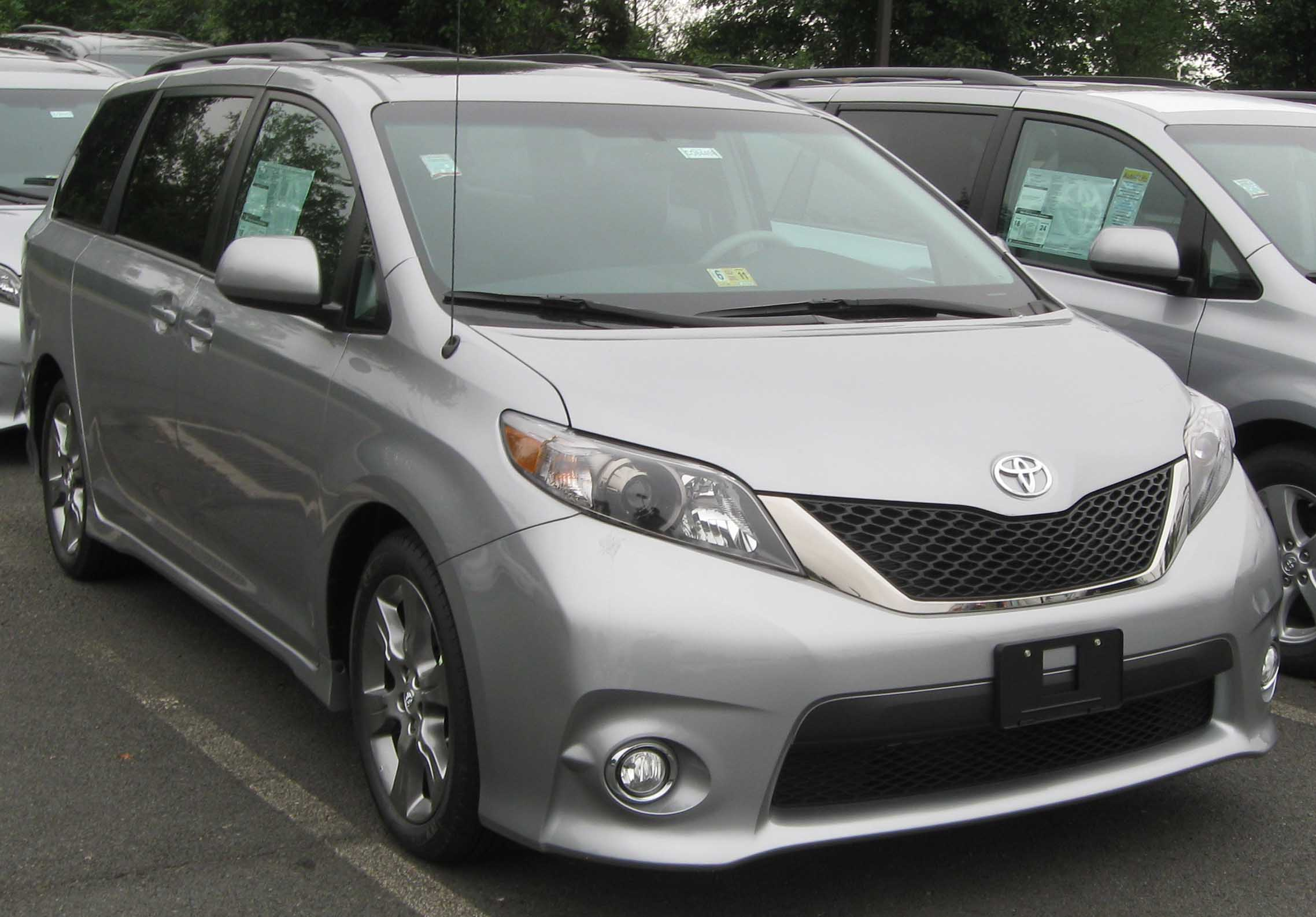 toyota in for cars golden used sienna sale