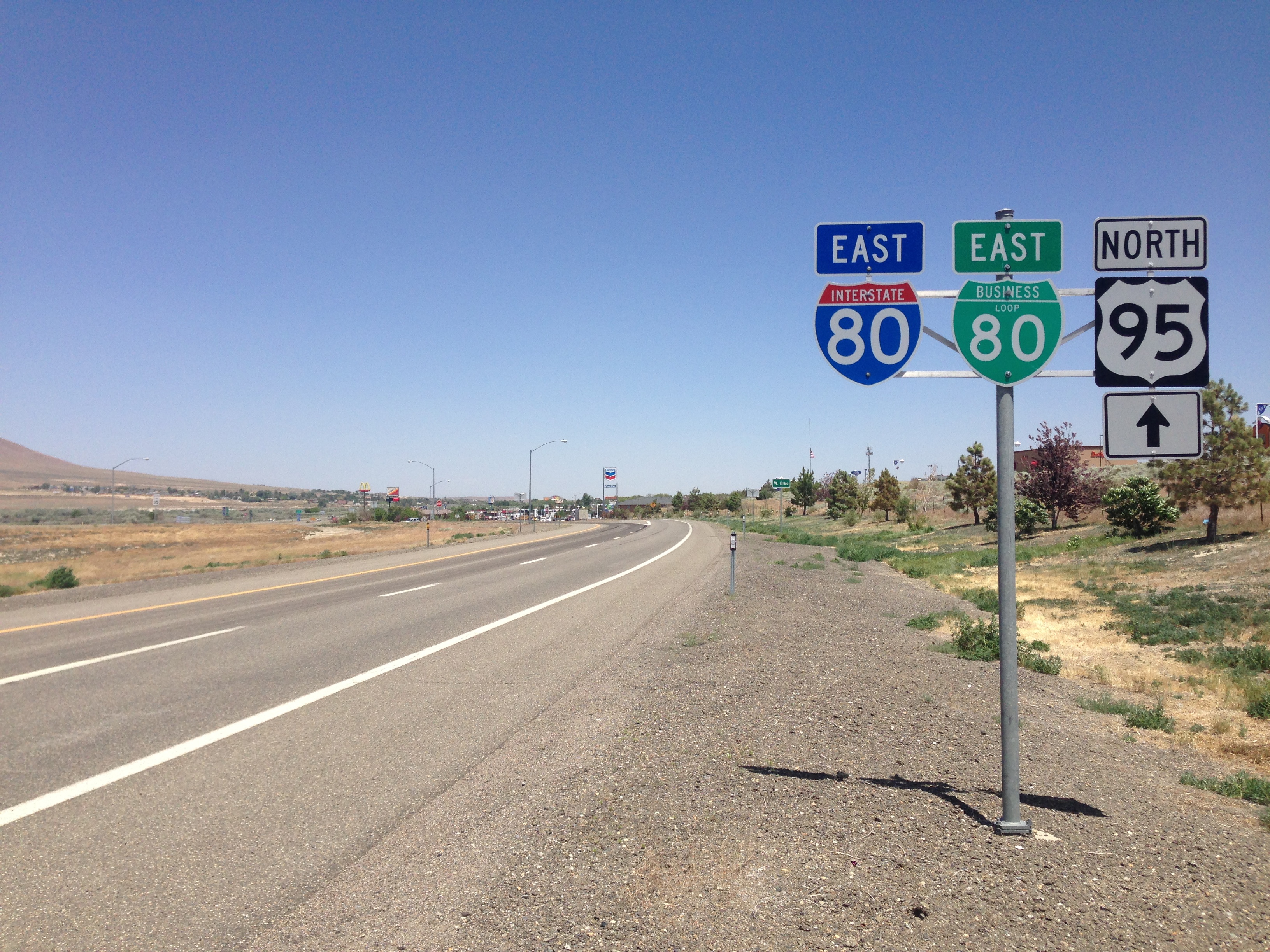 2014-06-12_12_57_05_Signs_for_Interstate