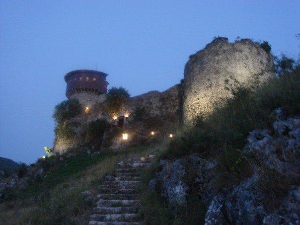 castello petrela albania
