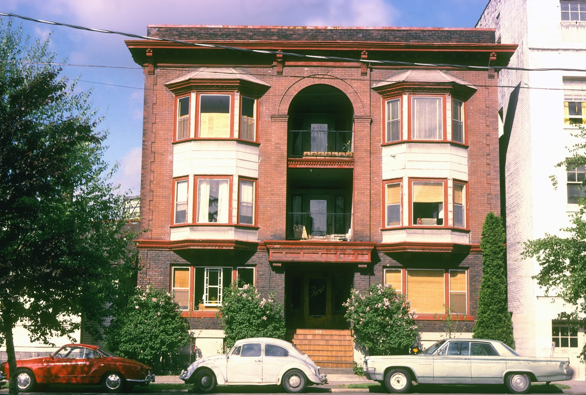 File:Apartment Building On Capitol Hill, Seattle, 1970s (38393150591)