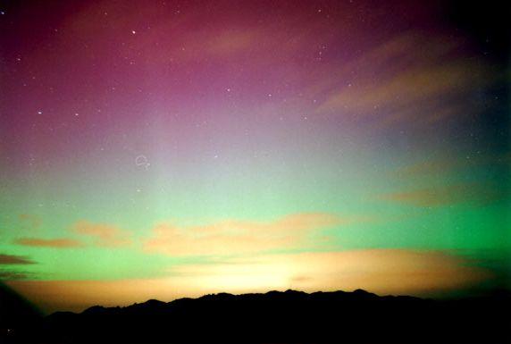 Aurora austral sobre las Nueva Zelanda