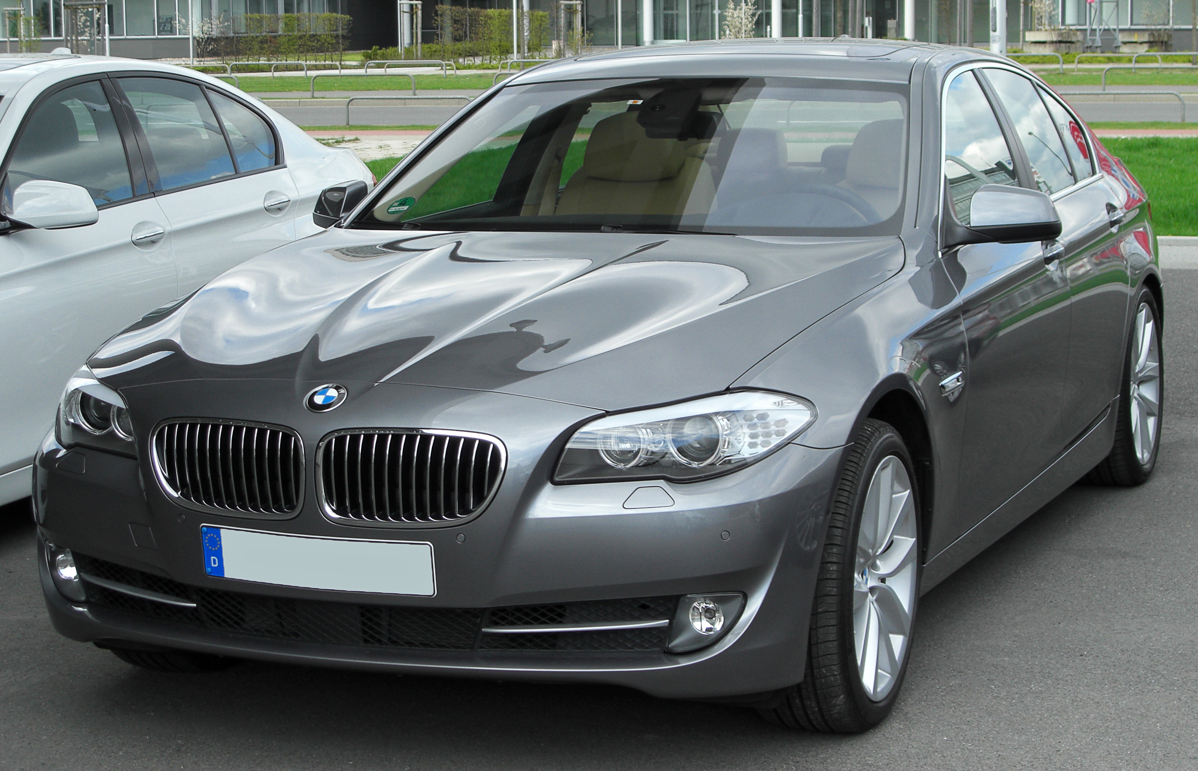 File Bmw 535i F10 Front 1 20100410 Jpg Wikimedia Commons