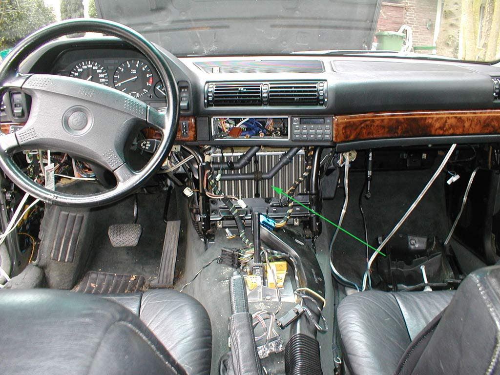 File:BMW E32 heater core.jpg Wikimedia Commons #703F29