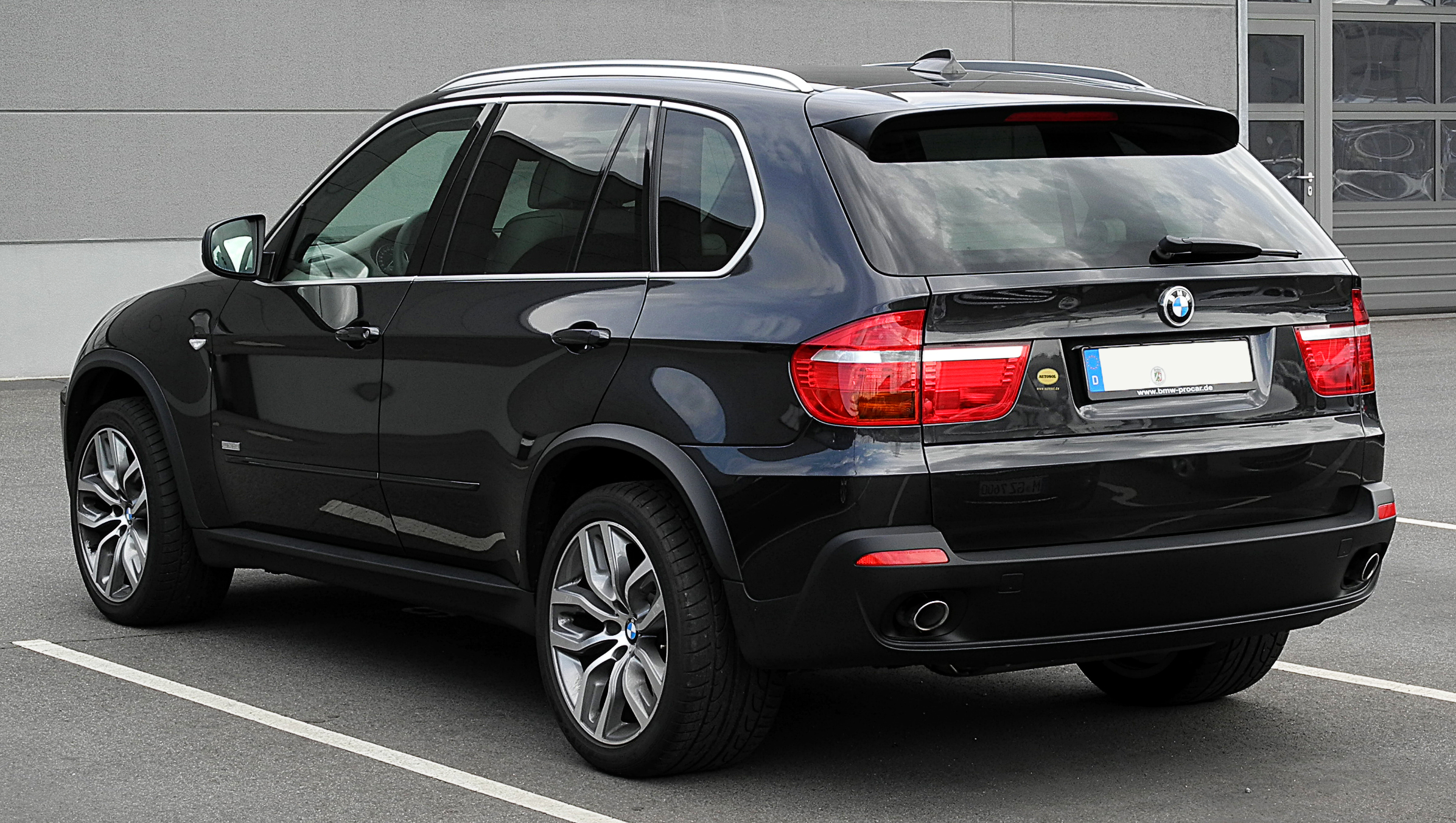 file bmw x5 edition 10 jahre x5 e70 heckansicht 17 juli 2011 d wikimedia. Black Bedroom Furniture Sets. Home Design Ideas