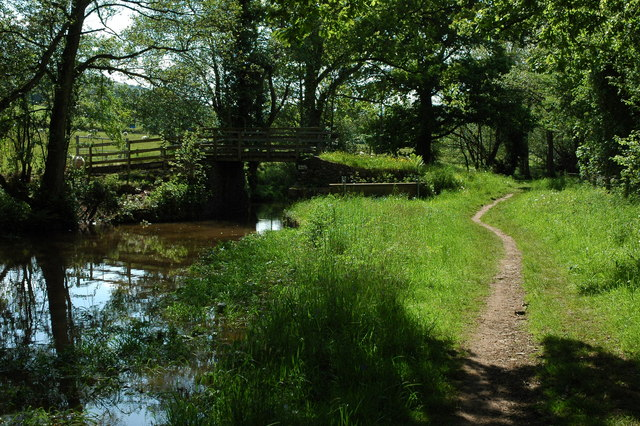 Bridge 128, Monmouthshire and Brecon Canal - geograph.org.uk - 1325163