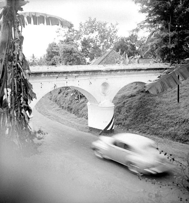 Filecollectie Tropenmuseum Aquaduct Over De Weg Bogor Sukabumi Tmnr  Jpg