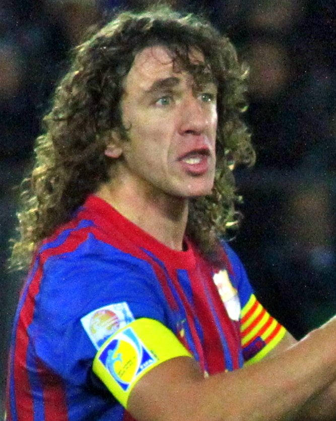 The 40-year old son of father (?) and mother(?) Carles Puyol in 2018 photo. Carles Puyol earned a  million dollar salary - leaving the net worth at 40 million in 2018