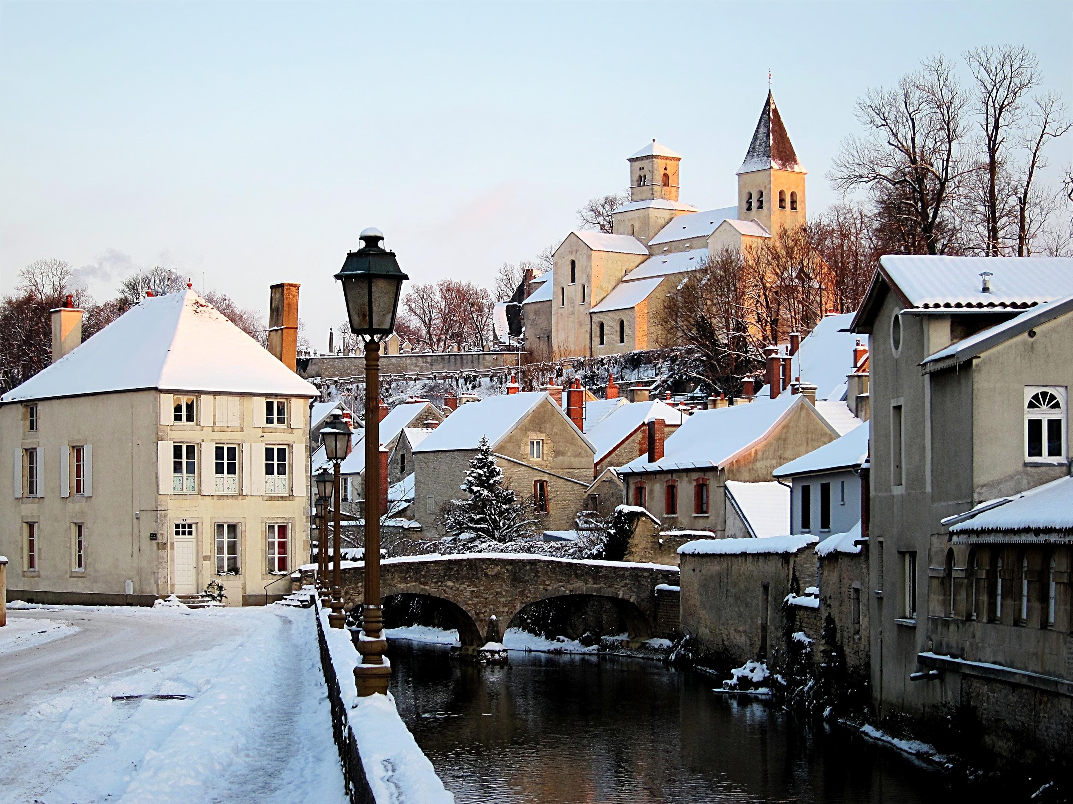 File:Chatillon sur Seine Seine.JPG - Wikimedia Commons