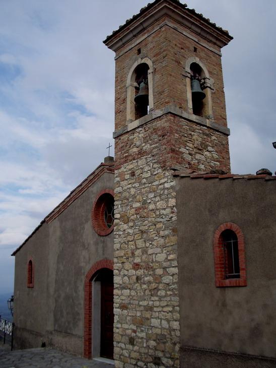 Chiesa di San Nicola Castiglioncello Bandini (GR).jpg