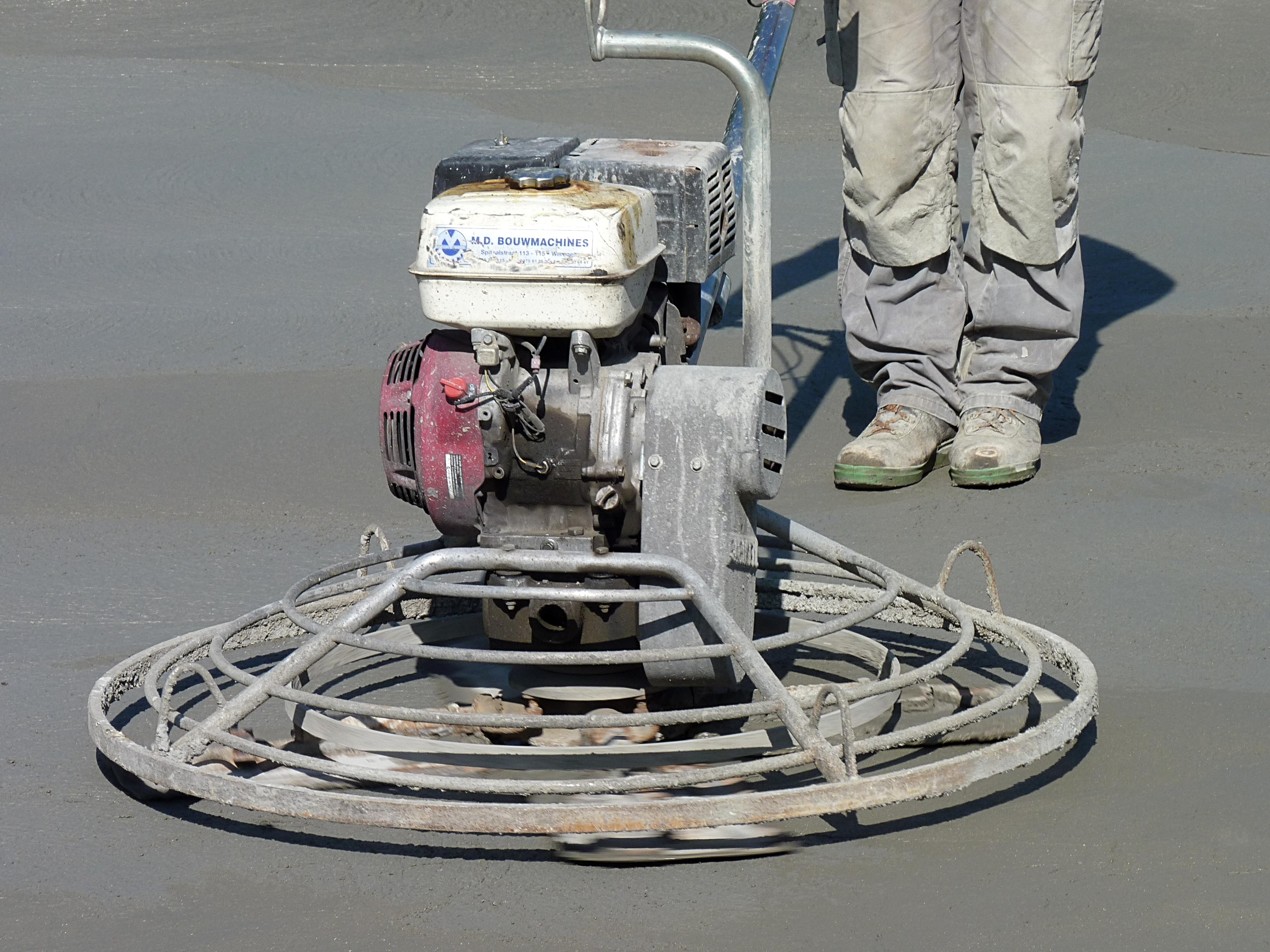 File:Concrete polishing machine J1 JPG - Wikimedia Commons
