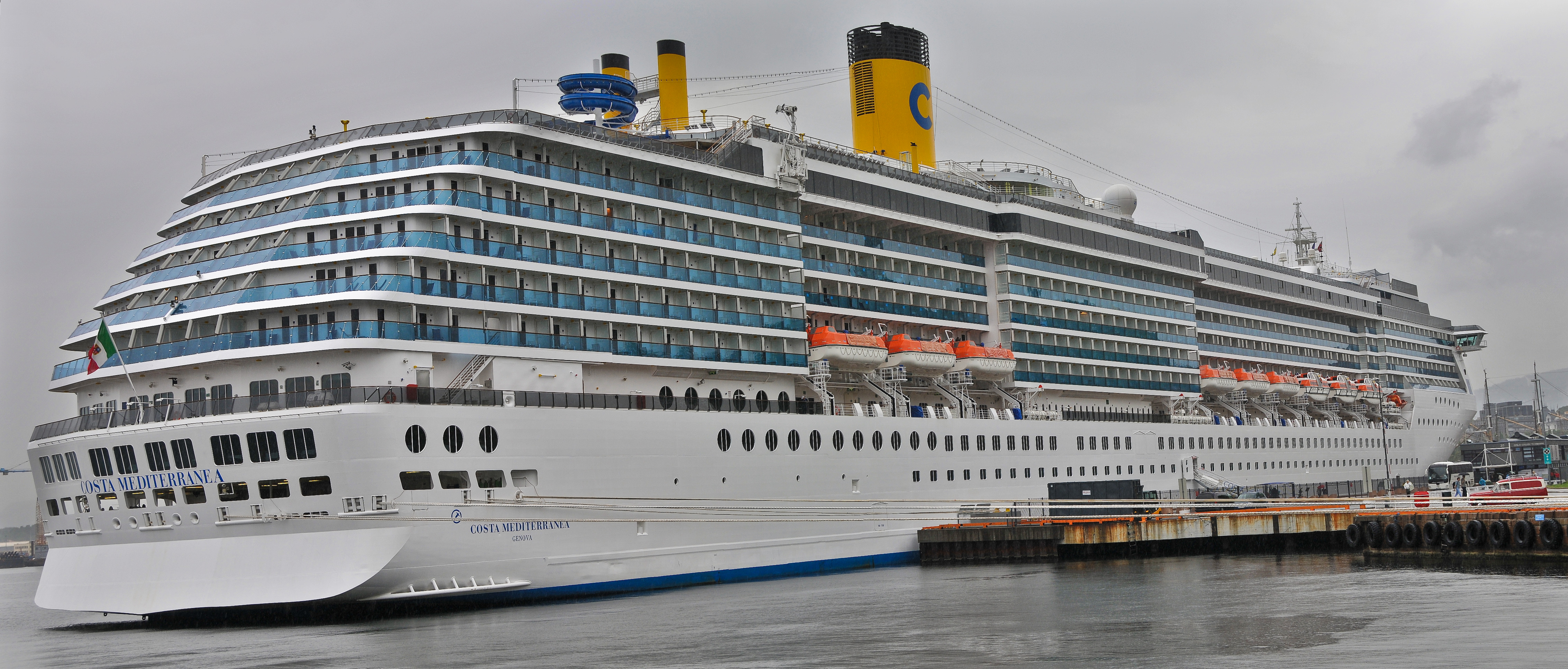 http://upload.wikimedia.org/wikipedia/commons/5/52/Costa_mediterranea.jpg