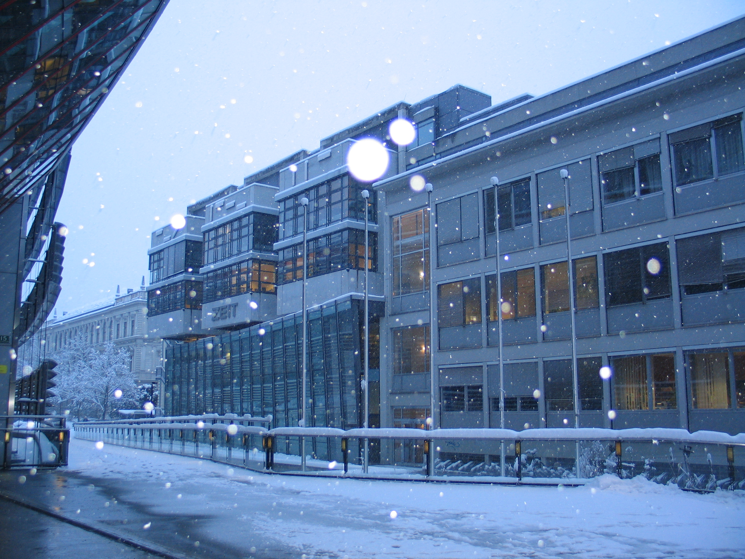 Filefalling Snow Graz  Original Jpg