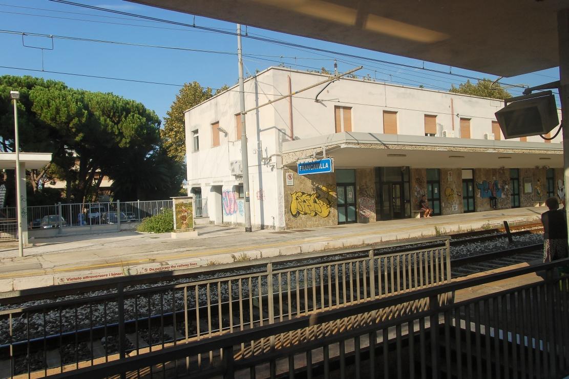Stazione di francavilla al mare wikipedia for Mobilia arredamenti francavilla al mare