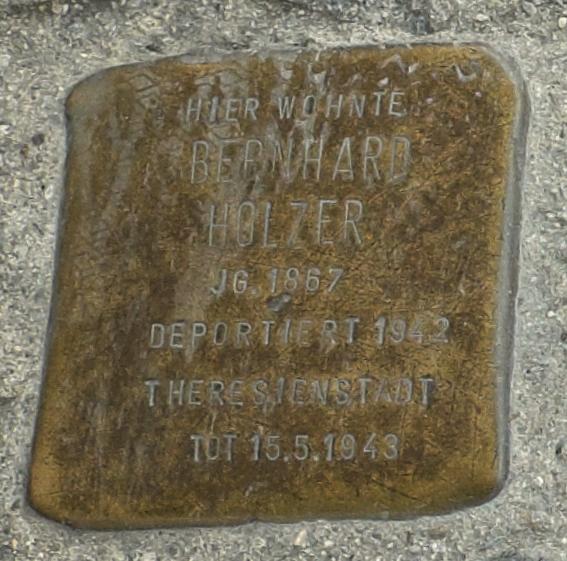 Freising Stolpersteine 366-001 Bernhard Holzer.jpg