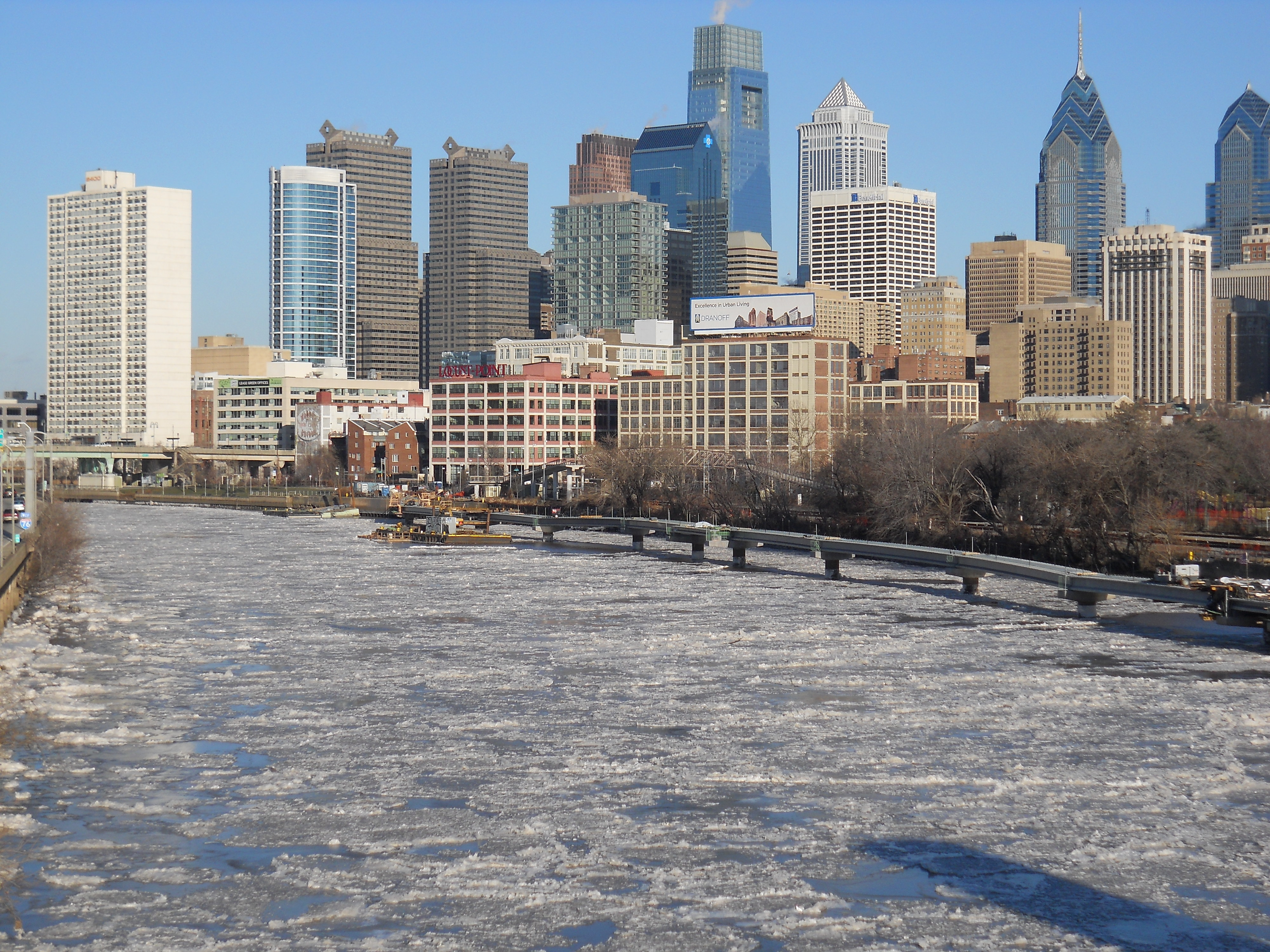 Description Frozen Schuylkill River, Philadelphia 2014.JPG