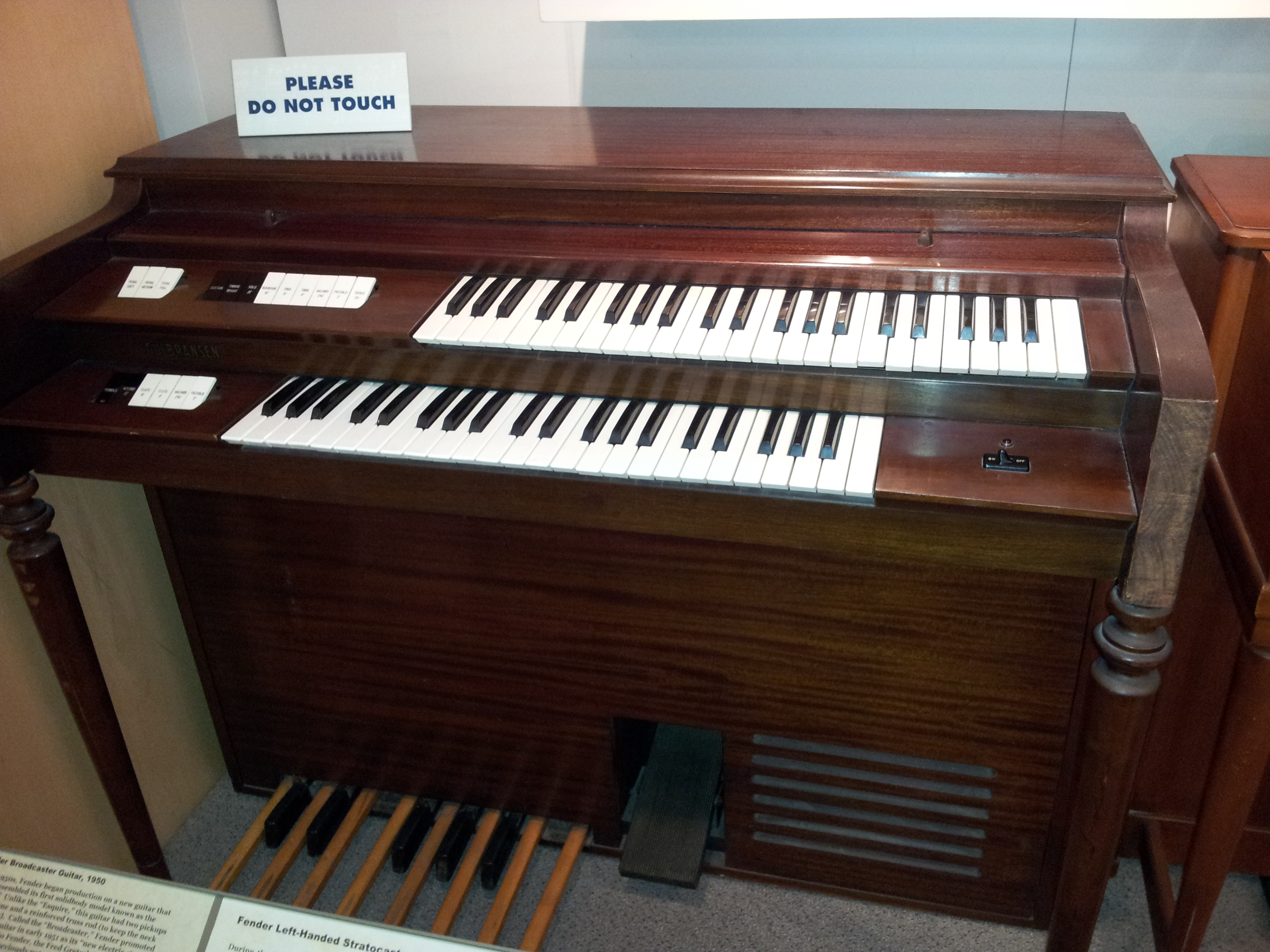 File gulbransen organ museum of making for Piani domestici transitori