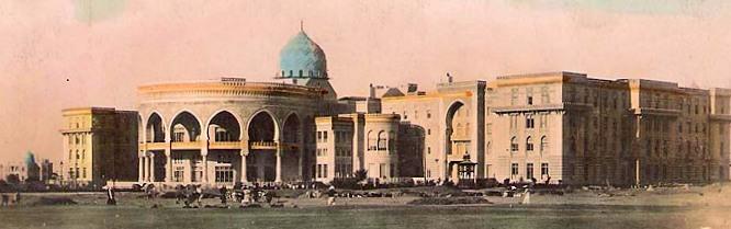 https://upload.wikimedia.org/wikipedia/commons/5/52/Heliopolis_Palace_in_Cairo.JPG