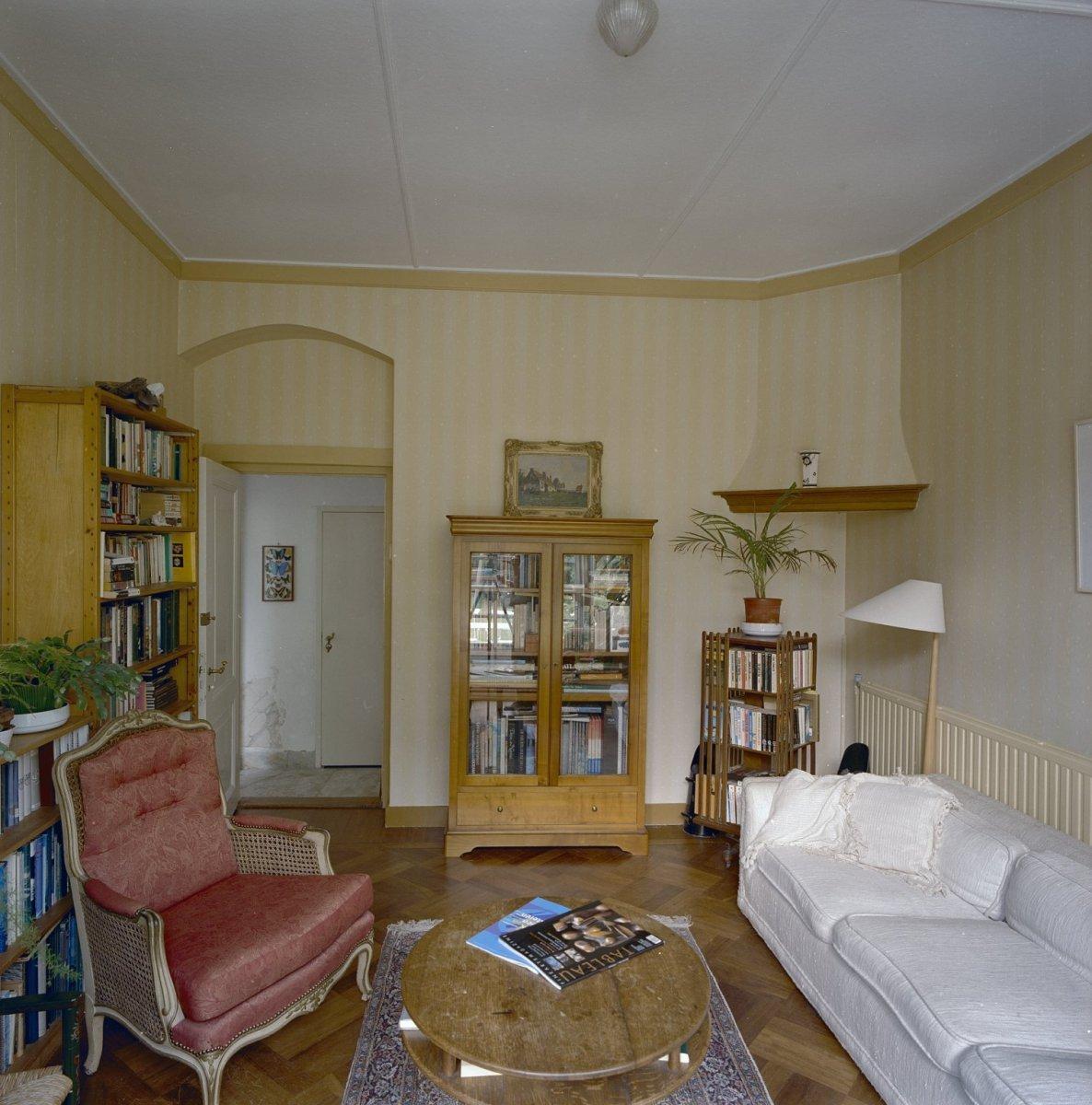 File:Interieur, overzicht linker achterkamer, vroeg 20e eeuws met ...