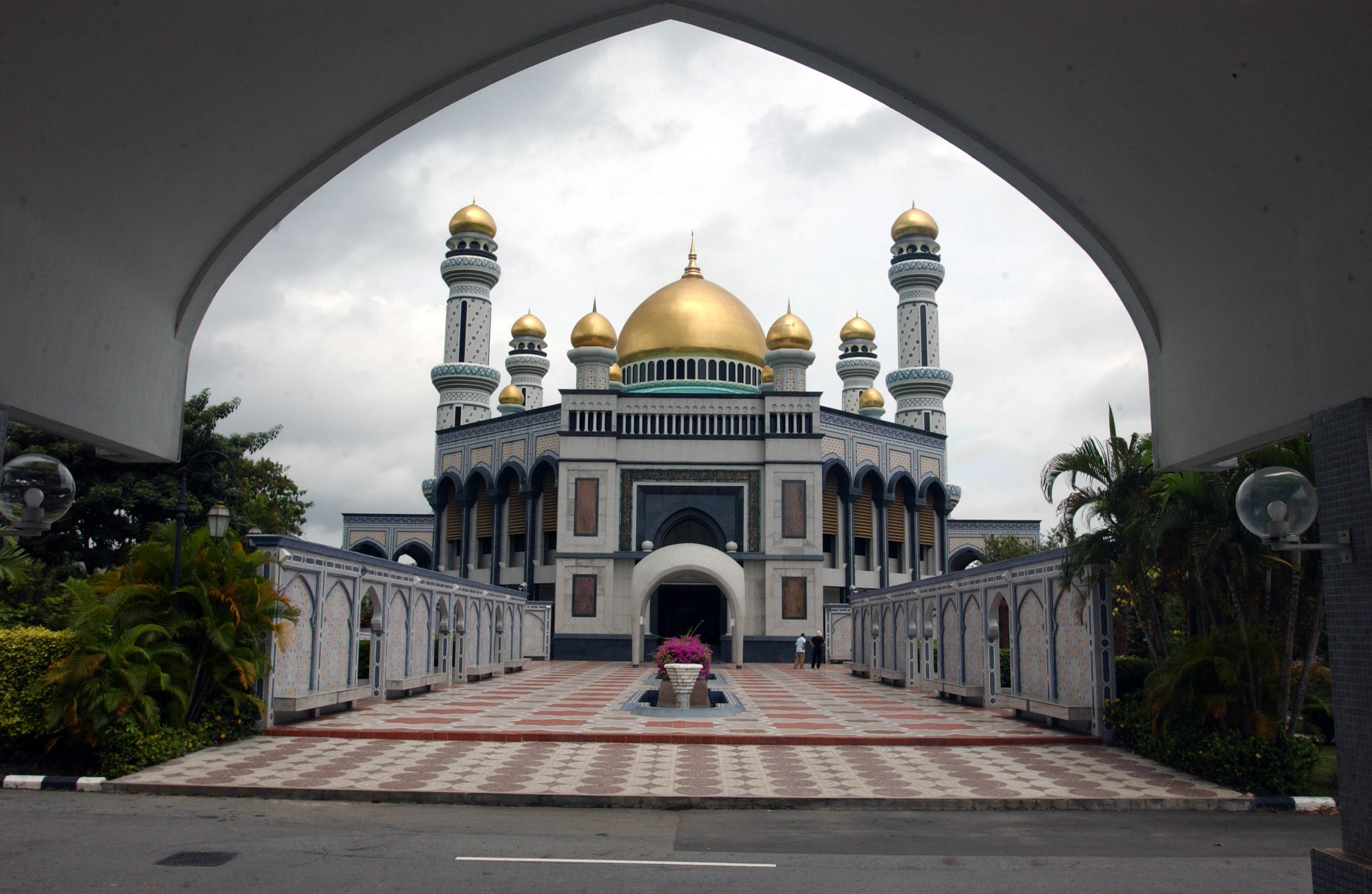 Bandar Seri Begawan Brunei  city photos gallery : ... JAME'ASR HASSANAL BOLKIAN MOSQUE IN BANDAR SERI BEGAWAN, BRUNEI
