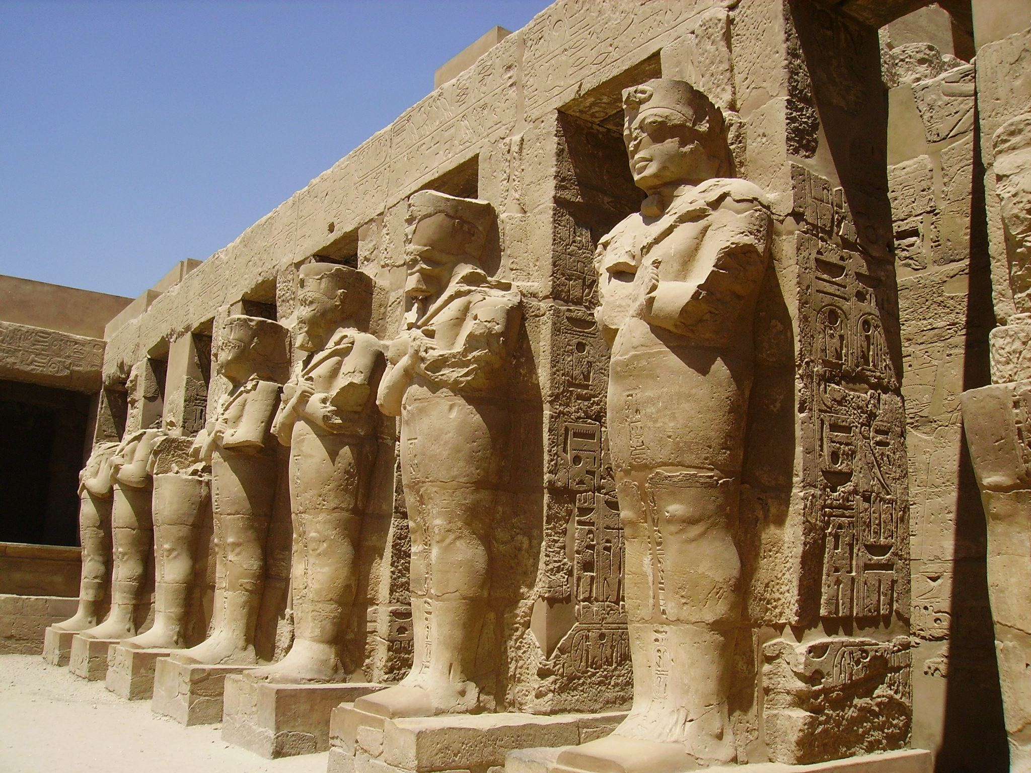 Description Karnak Temple, Egypt.JPG: commons.wikimedia.org/wiki/File:Karnak_Temple,_Egypt.JPG