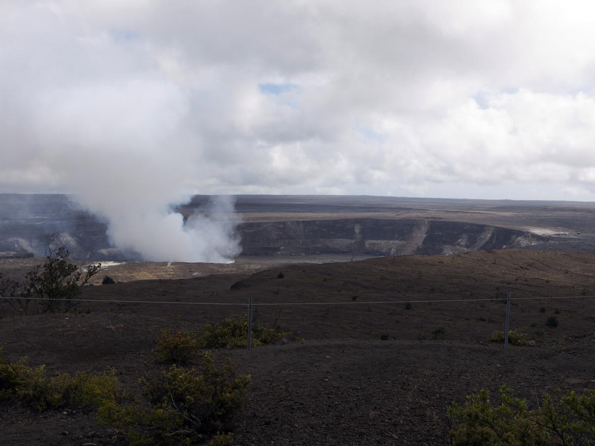 Kilauea Crater 078.jpg