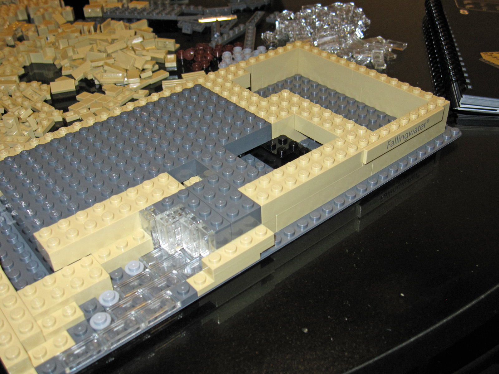 File lego architecture 21005 fallingwater 7331201022 jpg wikimedia commons - Falling waters lego ...