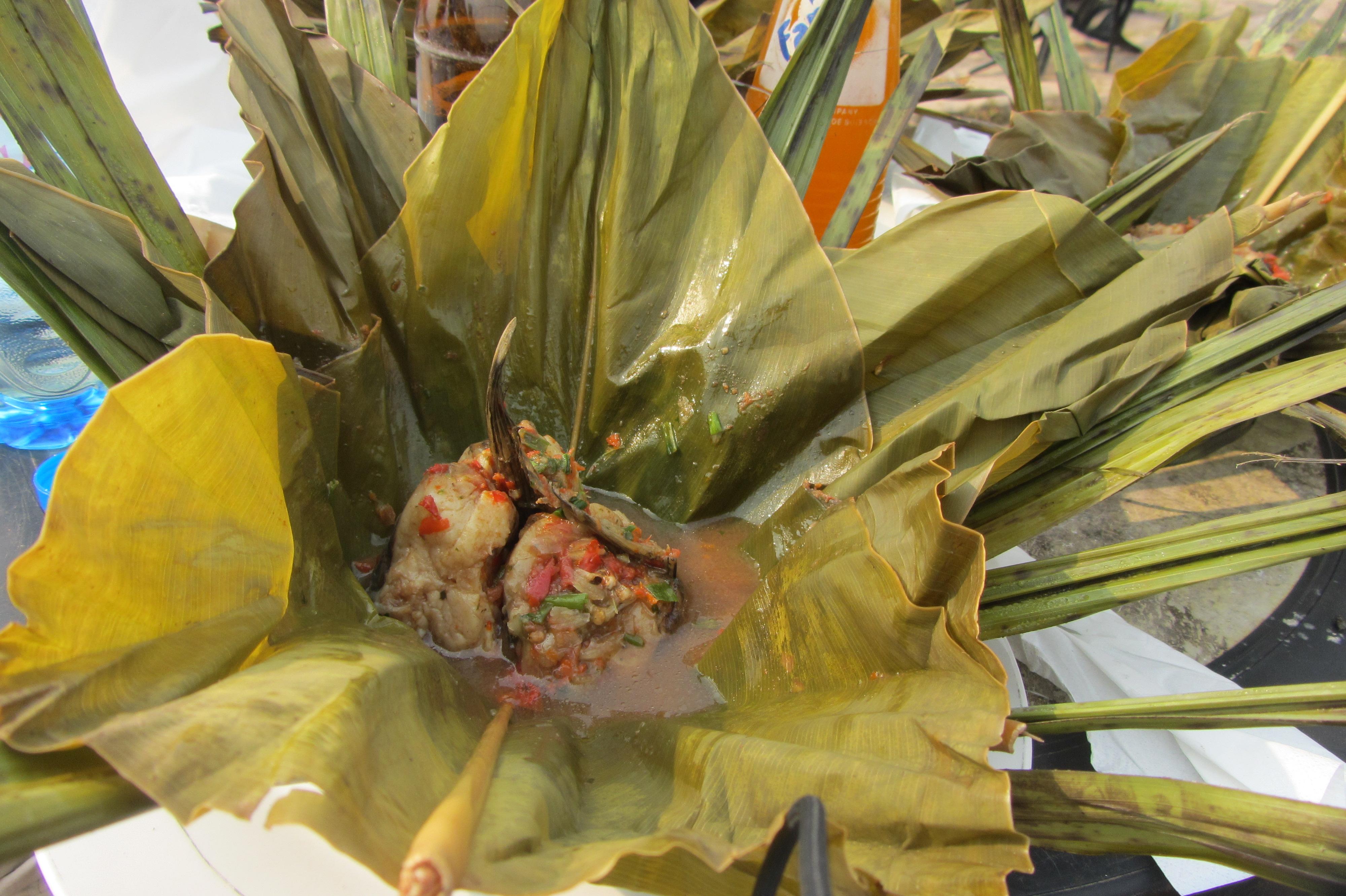 File liboke entrouvert 03 jpg wikimedia commons - Cuisine congolaise rdc ...