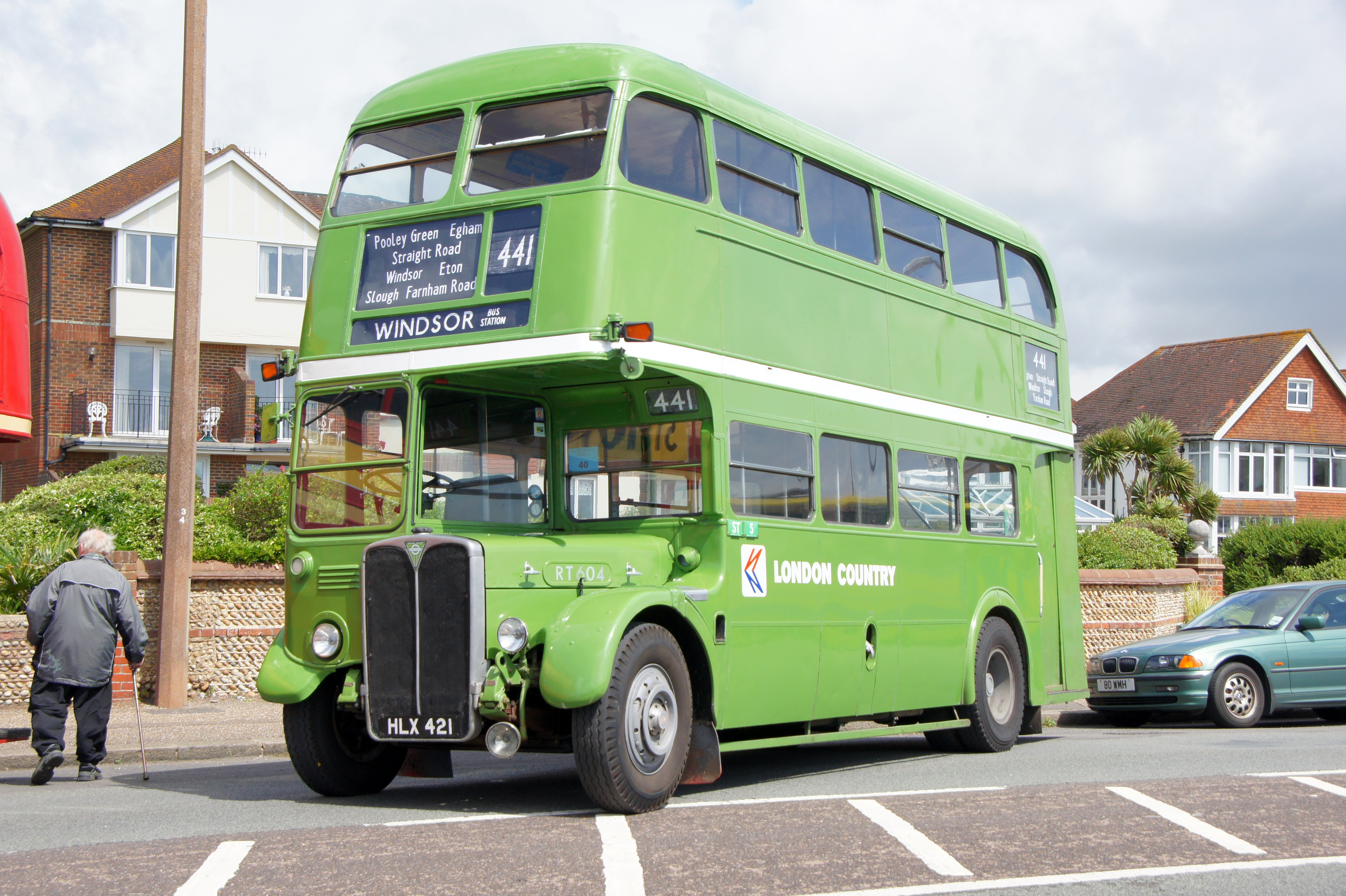 File:London Country bus RT604 (HLX 421), 2012 Worthing bus ...