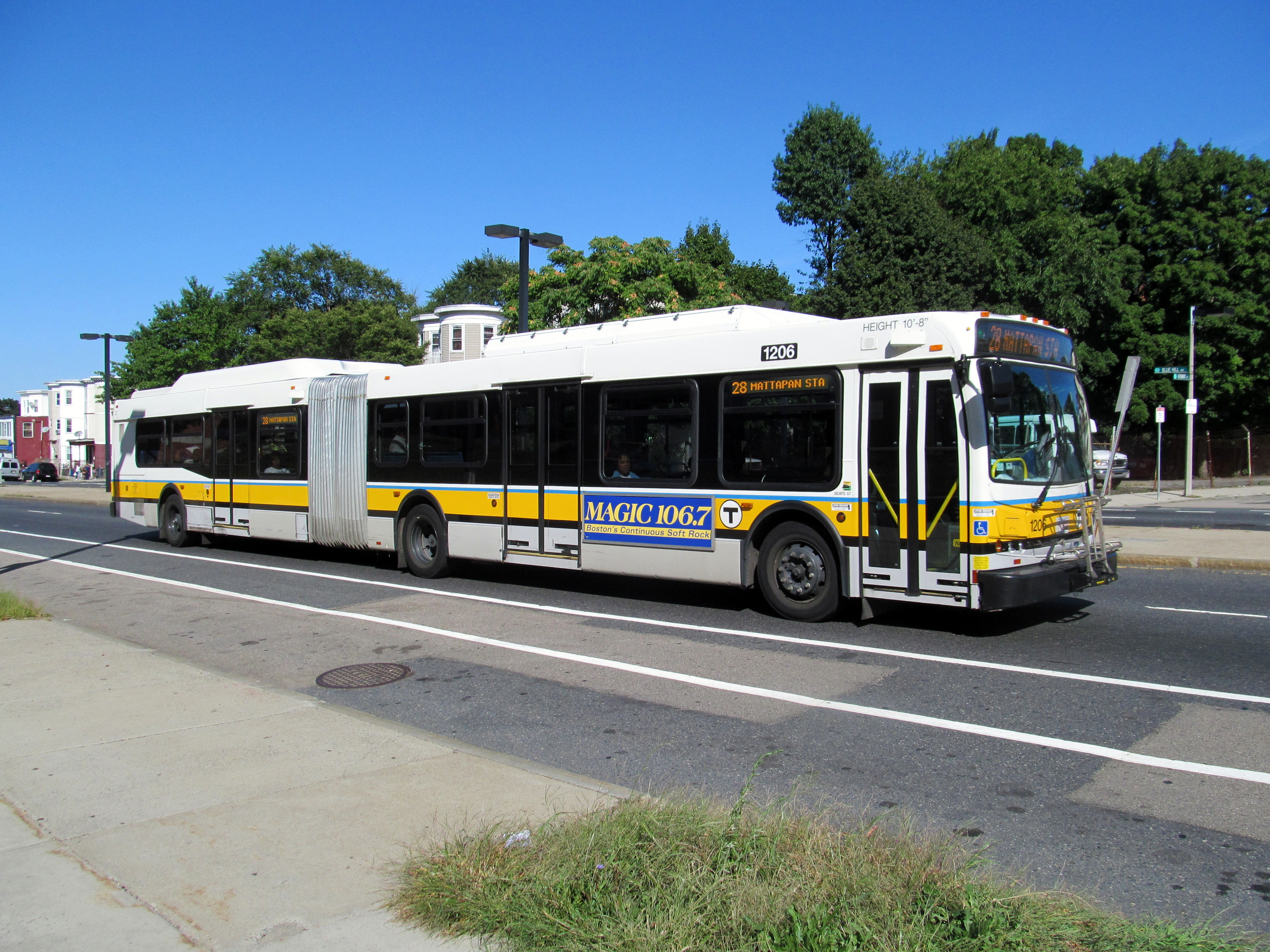 file:mbta route 28 bus on blue hill avenue, september 2012