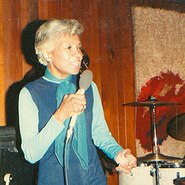 Maxine Sullivan - Wikipedia