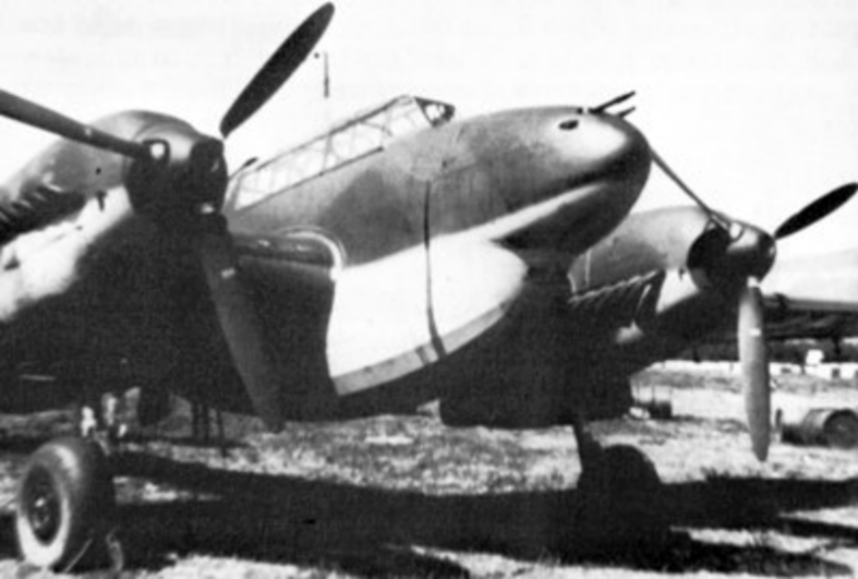 File:Me 110D-0 with Dackelbauch tank 1940.jpg