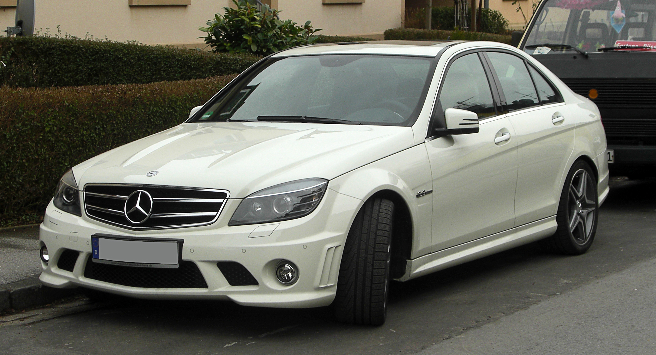 file mercedes benz c 63 amg w 204 frontansicht 26 februar 2011 w wikimedia. Black Bedroom Furniture Sets. Home Design Ideas