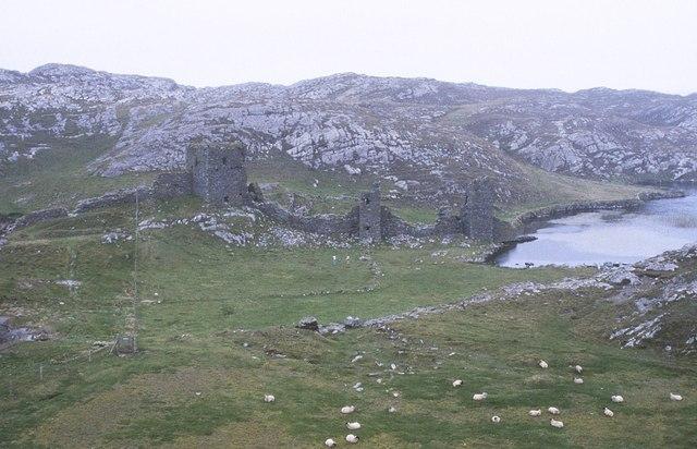 File:Mizen Peninsula, Three Castles - geograph.org.uk - 1429768.jpg
