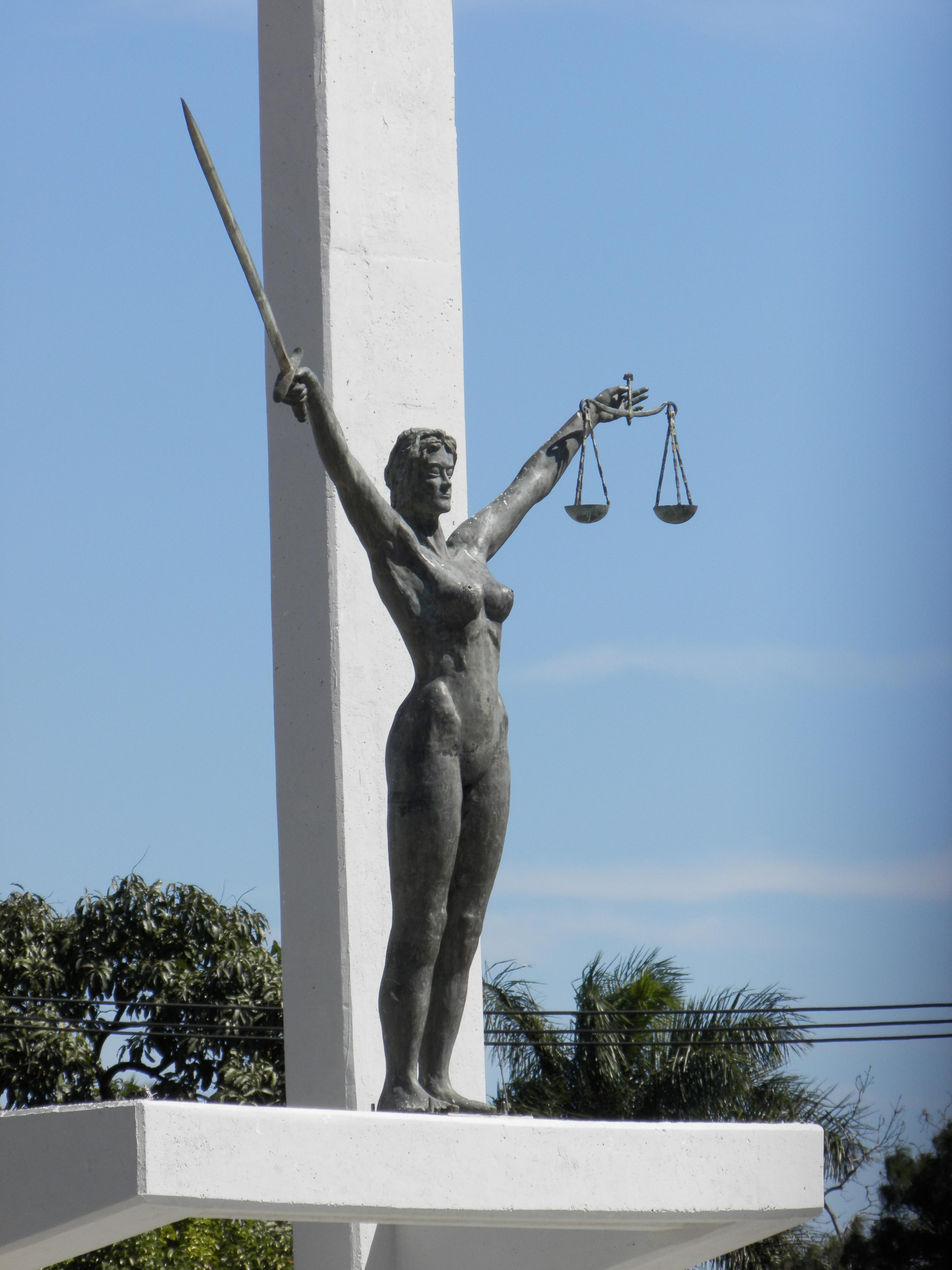 Monumento A La Constitucion De El Salvador Wikipedia La