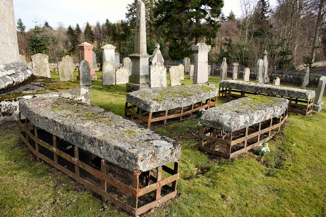 Mortsafes in Cluny kirkyard - geograph.org.uk - 174646