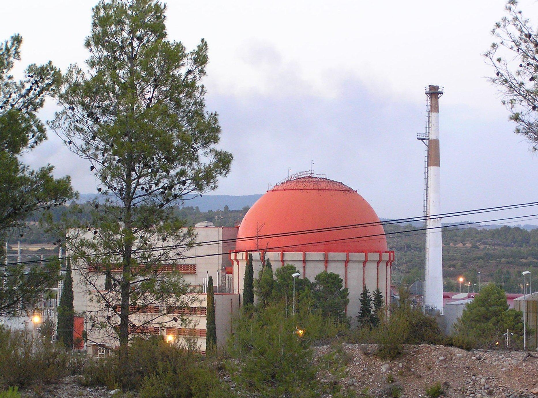 ¤ V1963 ¤ Topic officiel - Page 6 Nuclear_power_station_in_Almonacid_de_Zorita_%28Spain%29