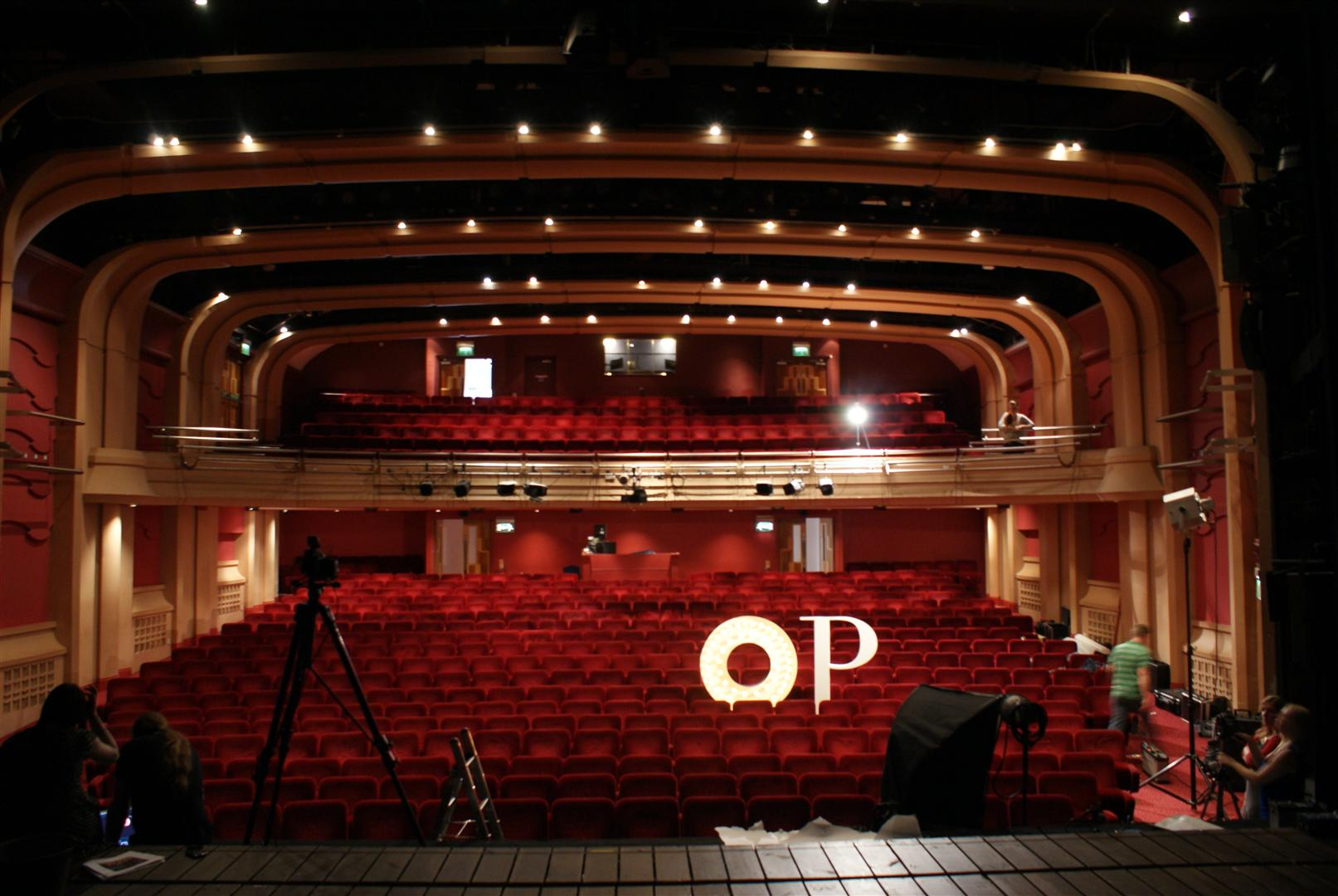 File Oxford Playhouse Auditorium Jpg Wikimedia Commons