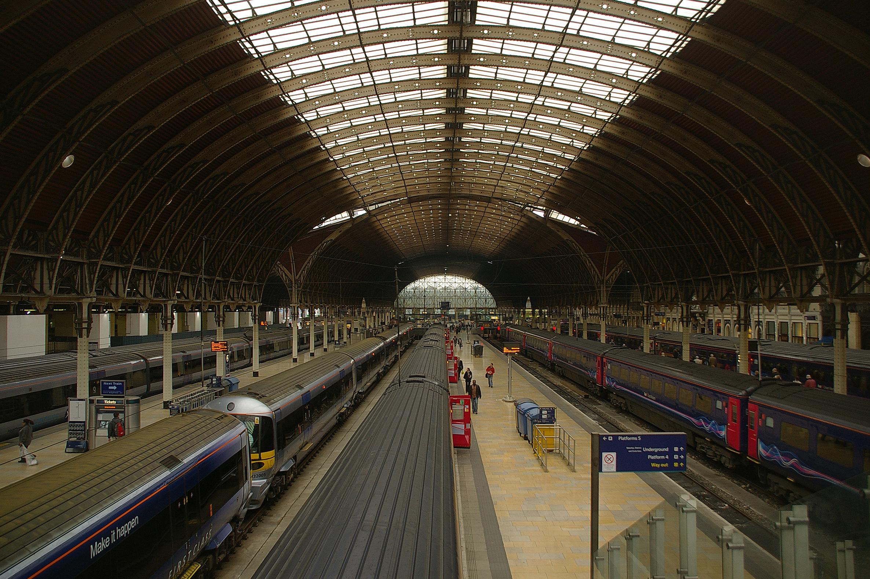 Paddington 2 >> File:Paddington station MMB 01 332XXX 332005 43XXX.jpg ...