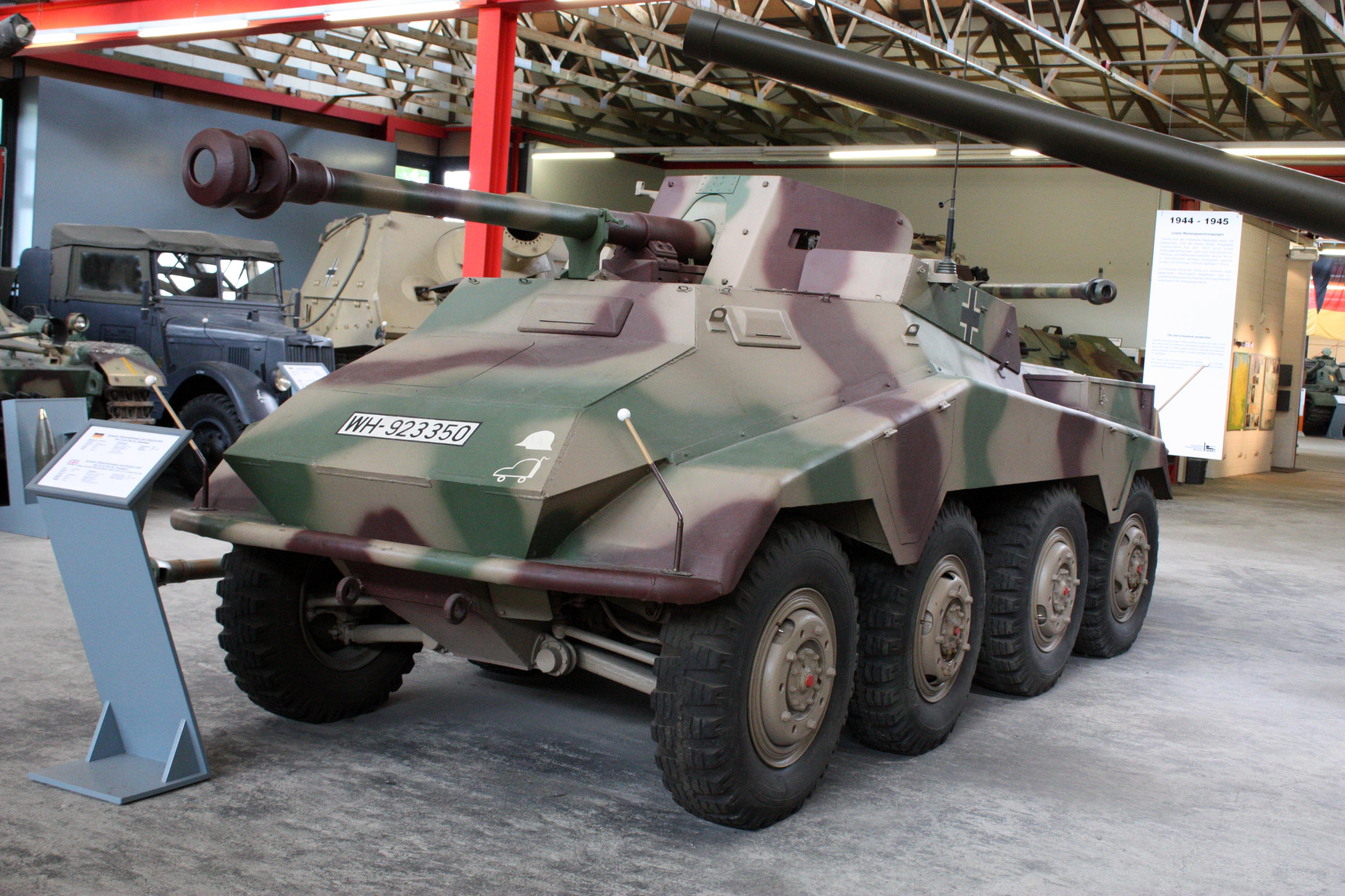 Panzermuseum_Munster_2010_0404.JPG