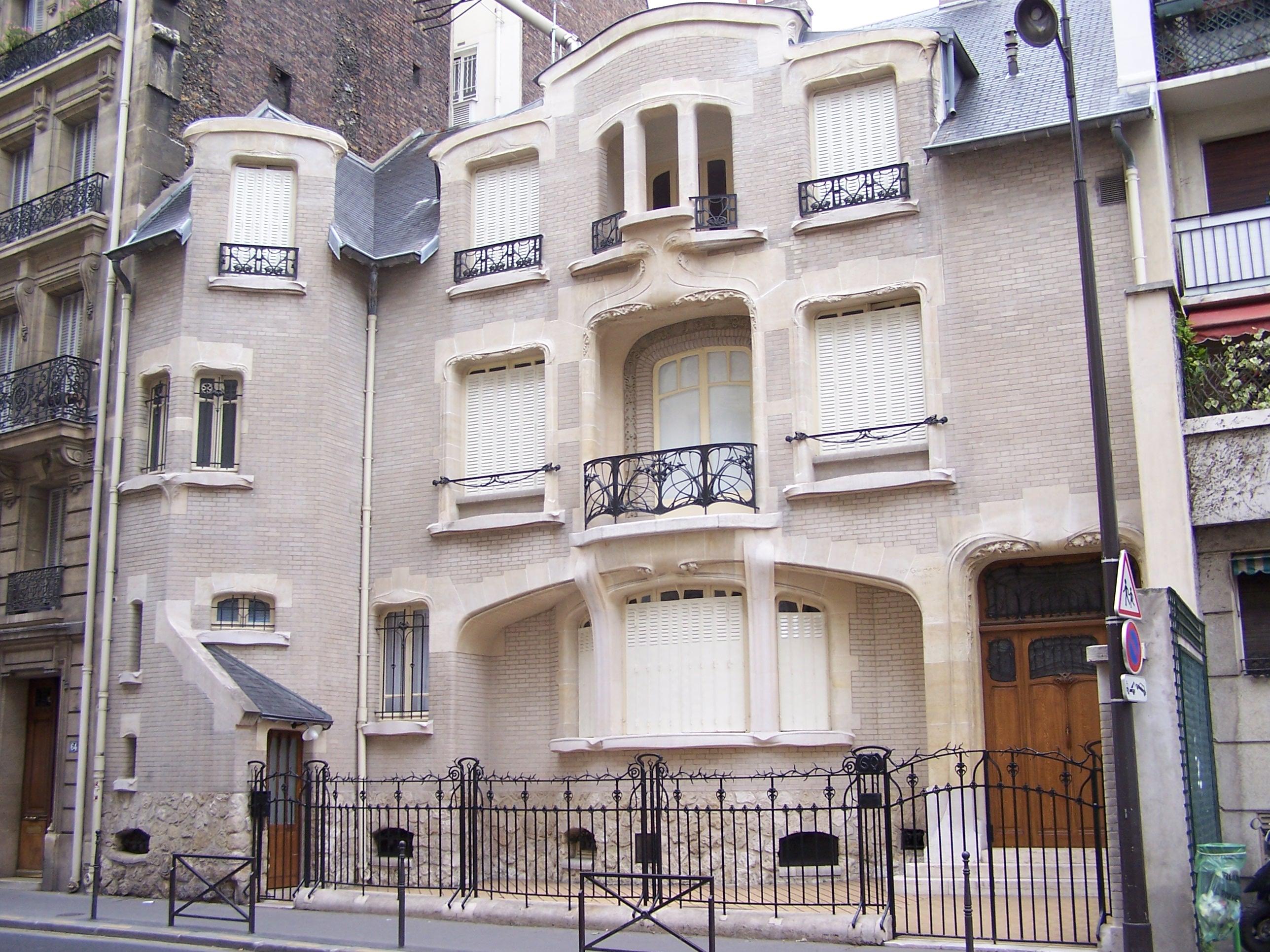 Des joyaux de l'architecture parisienne galvaudés - Page 2 Paris_Hotel_Mezzara02