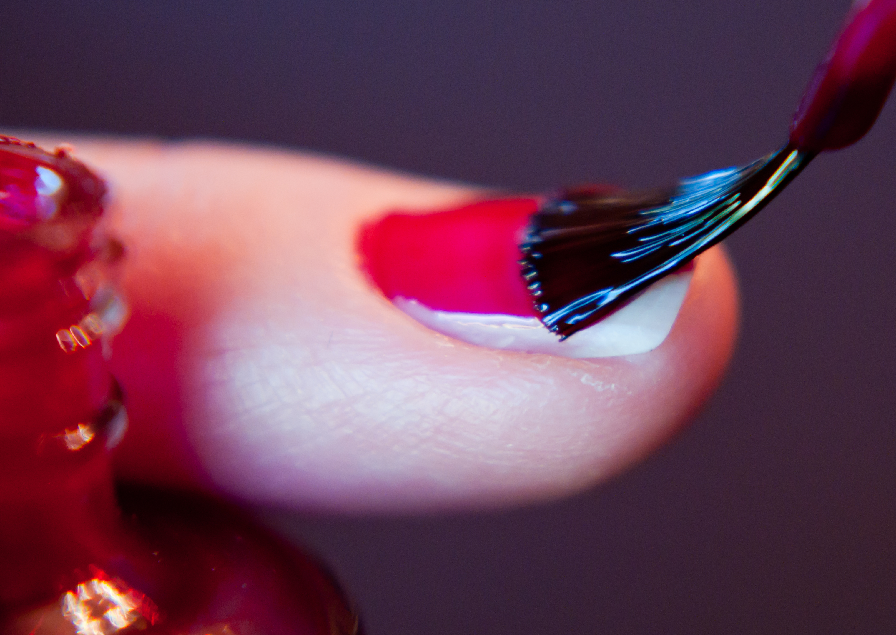 What Happens to Your Body 10 Hours After You Apply Nail Polish ...