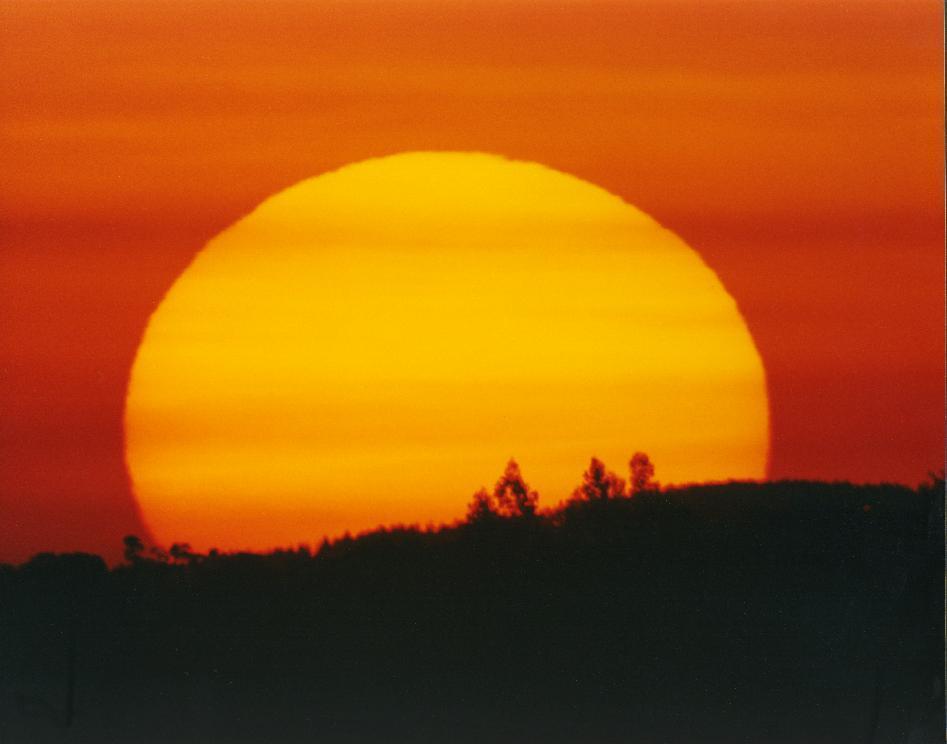 File Por do sol lomba ...