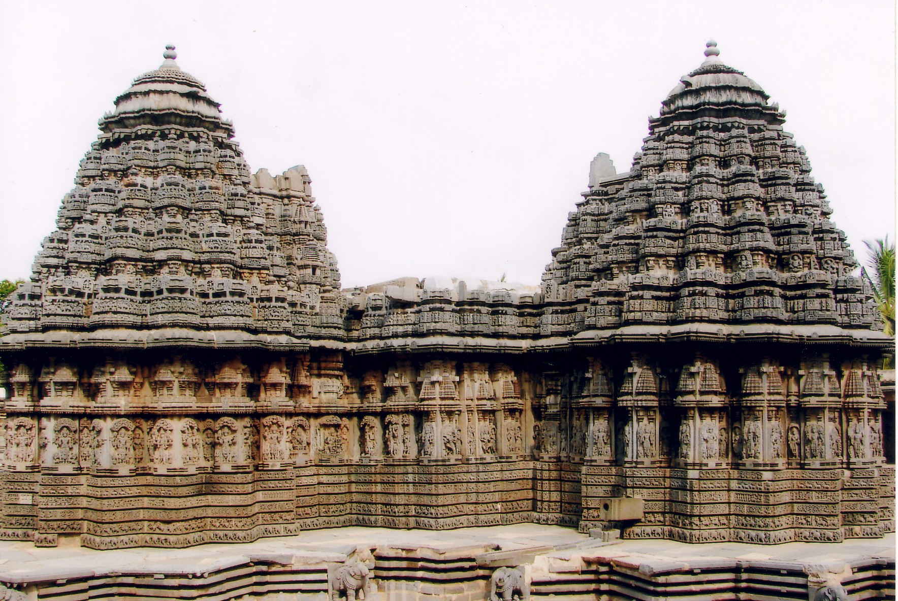 nagara style temples Indian temple architecture the nagara style which developed for the fifth century even jain temples such as those at khajuraho were often built in.